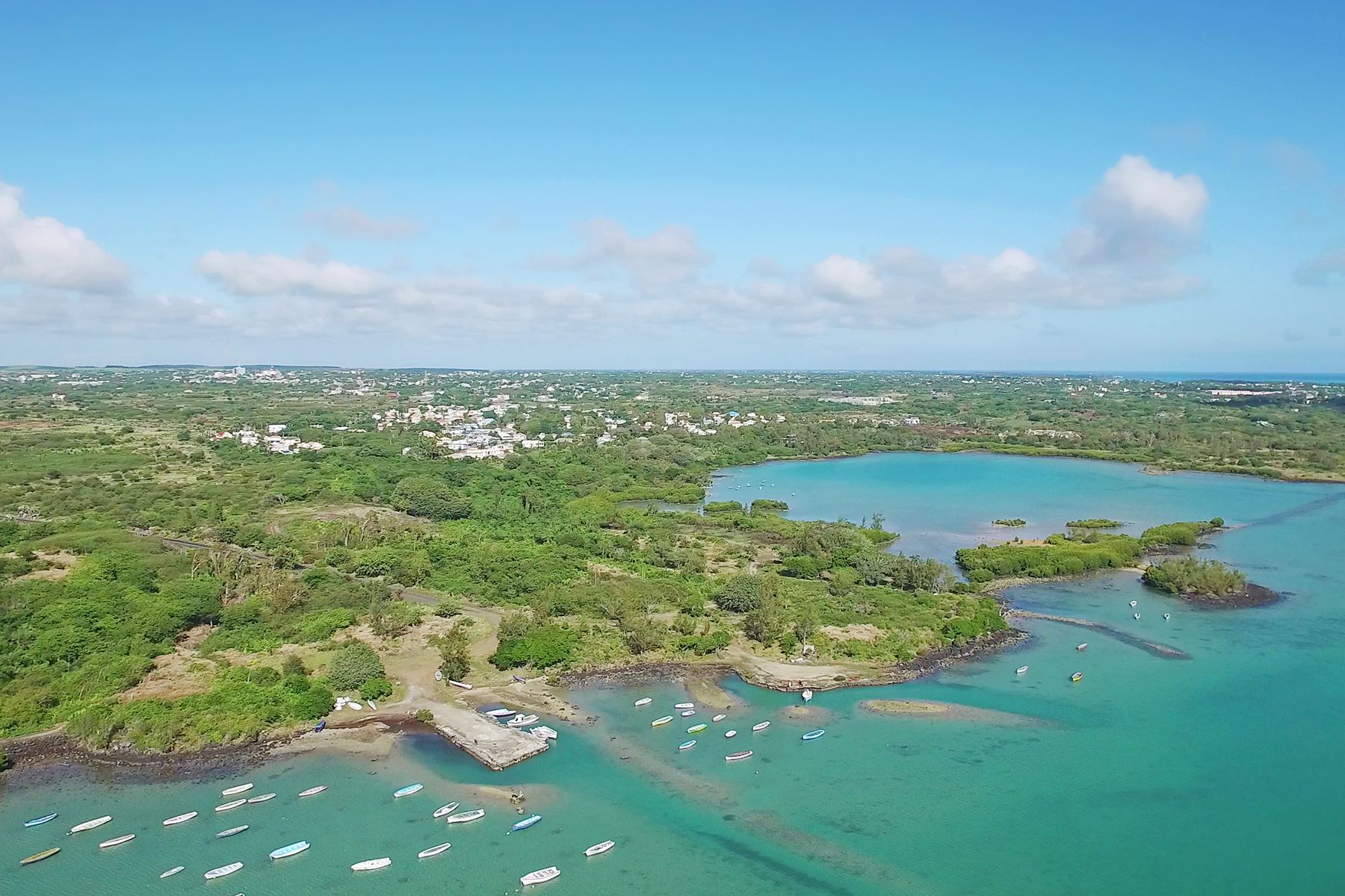 Additional photo for property listing at St Antoine Private Residence Oceanfront Luxury Apartment St Antoine, Riviere Du Rempart Maurice