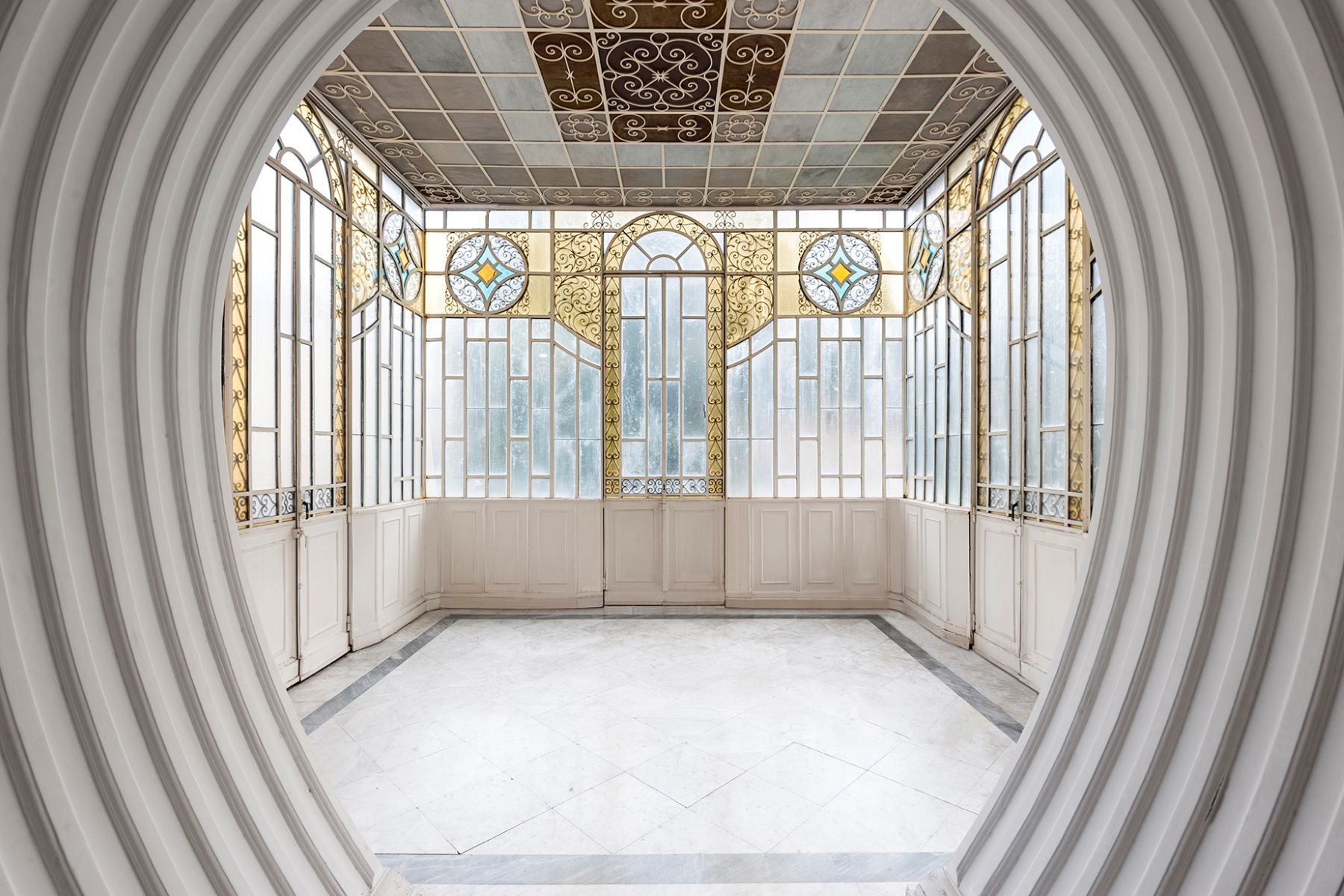 Additional photo for property listing at Majestic Art Deco Villa in Rome's City Center Via Piemonte Rome, Roma 00187 Italia