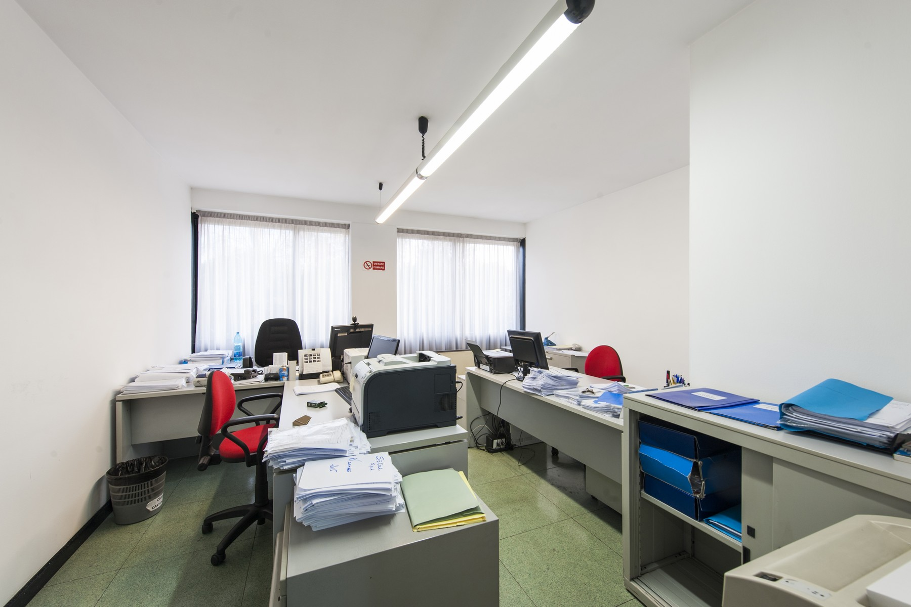 Additional photo for property listing at Commercial building with offices, warehouse and guesthouse Rome, Rome Italie
