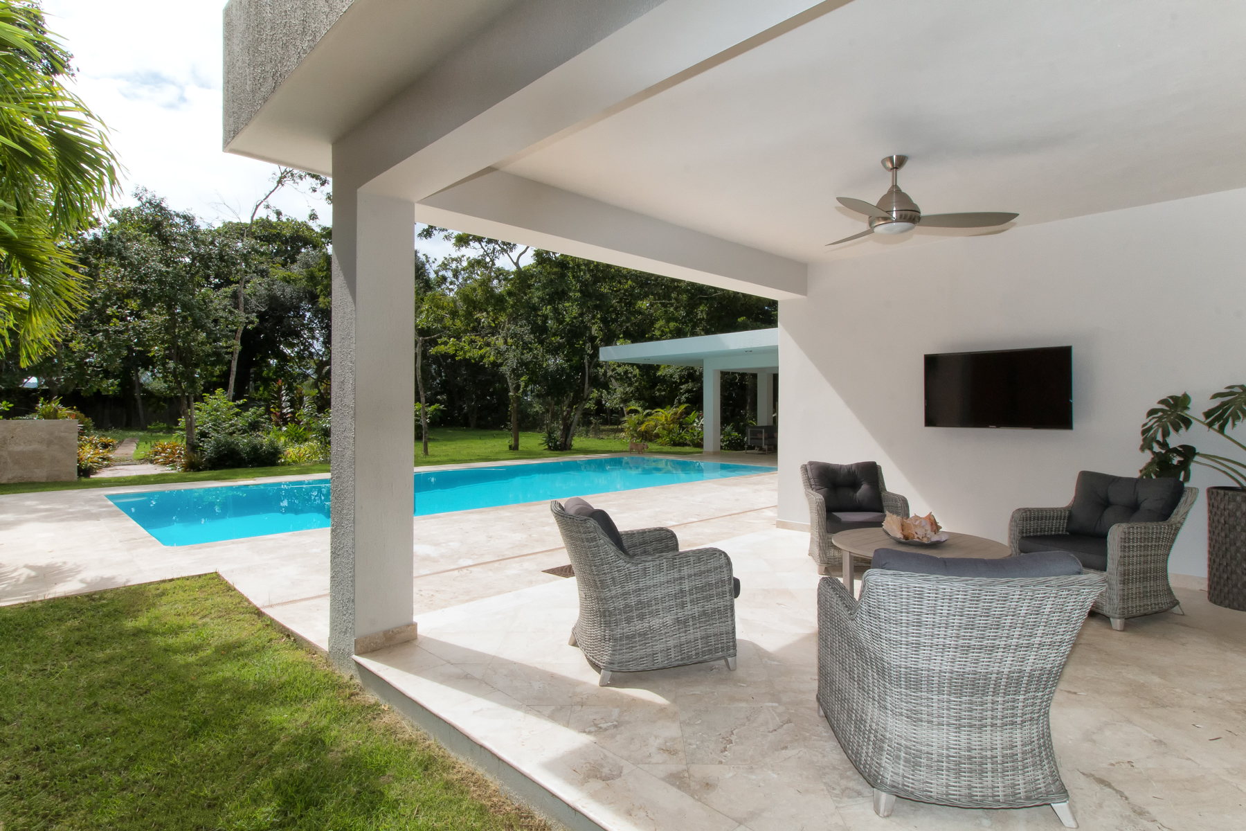 Additional photo for property listing at Gut Renovated Dorado Beach Five Bedroom 107 Dorado Beach East Dorado Beach, Puerto Rico 00646 Пуэрто-Рико