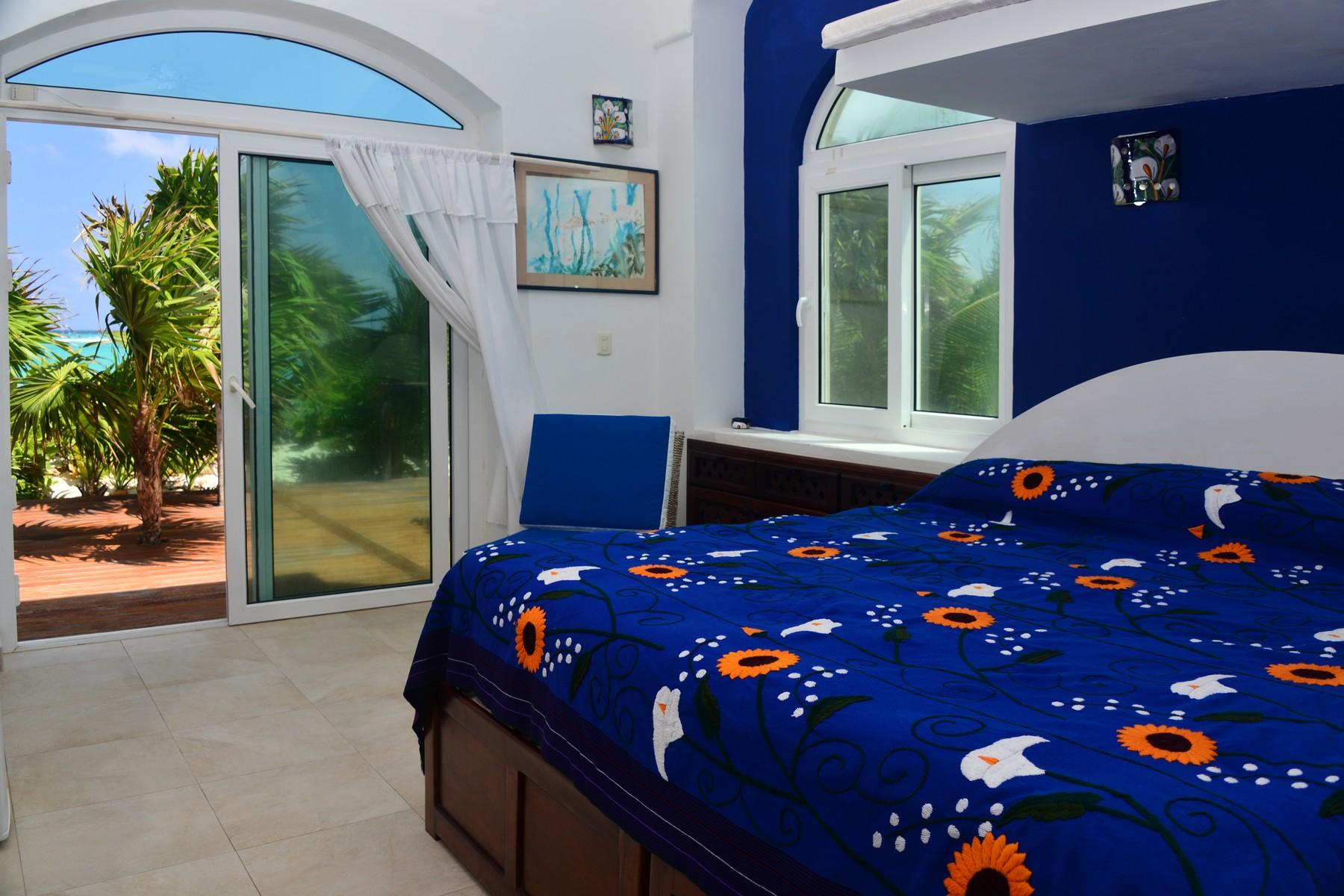 Additional photo for property listing at VILLA DESTINY BEACHFRONT HOME Beachfront Home Camino Tulum-Boca Paila Tulum, Quintana Roo 77087 Mexico