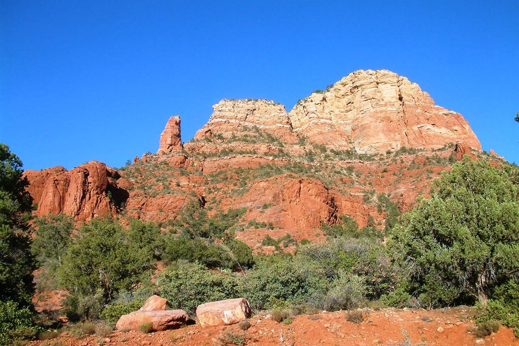 Земля для того Продажа на Lovely lot in the highest elevations in prestigious Mystic Hills 411 Acacia Dr #16 Sedona, Аризона, 86336 Соединенные Штаты