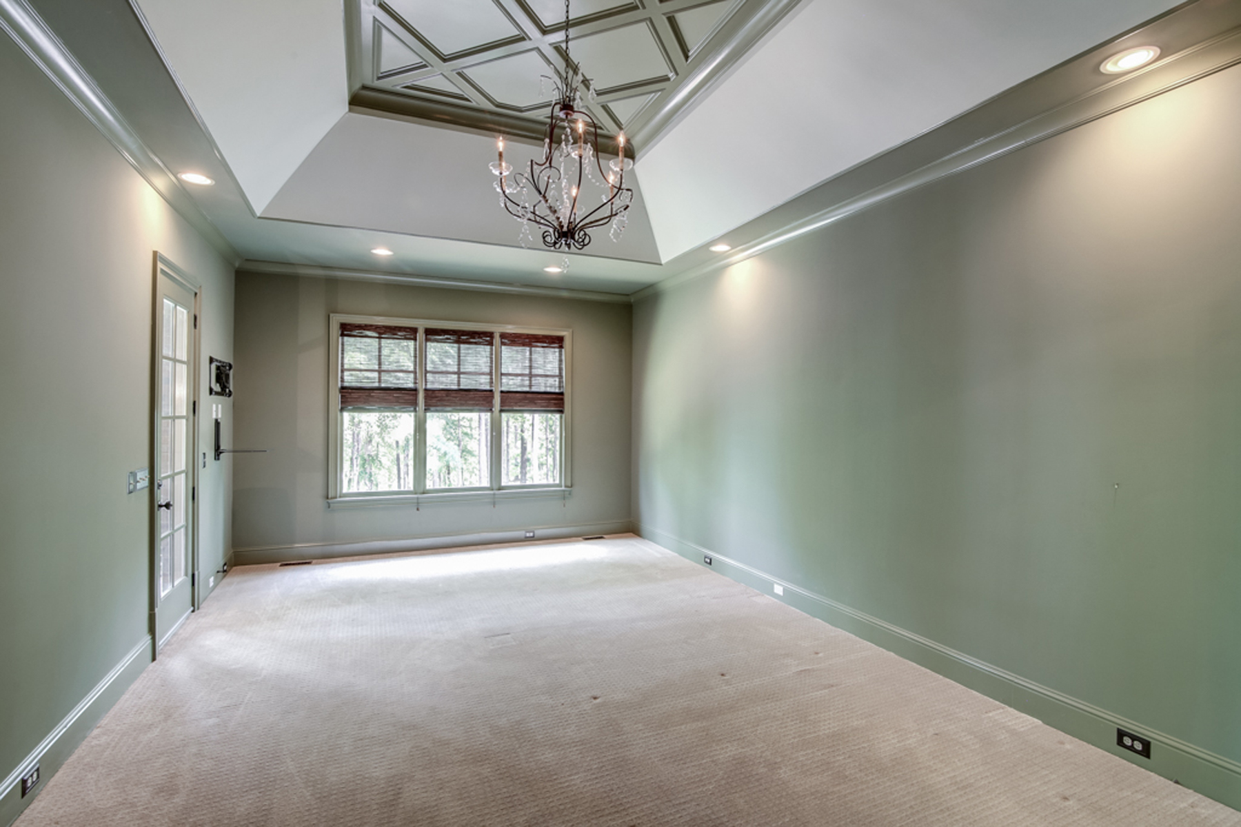 Additional photo for property listing at Immaculate With Master On Main 6062 Tattnall Overlook Acworth, Geórgia 30101 Estados Unidos