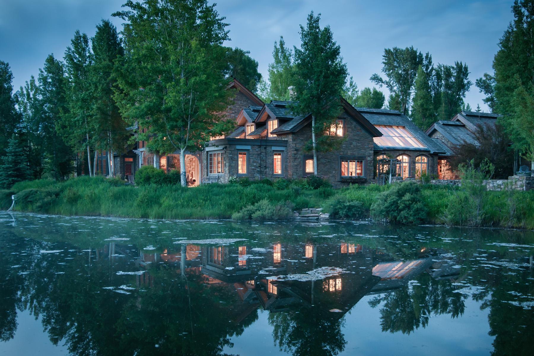 Villa per Vendita alle ore Teal Hollow 5000 W Pine Meadow Road Wilson, Wyoming, 83014 Jackson Hole, Stati Uniti