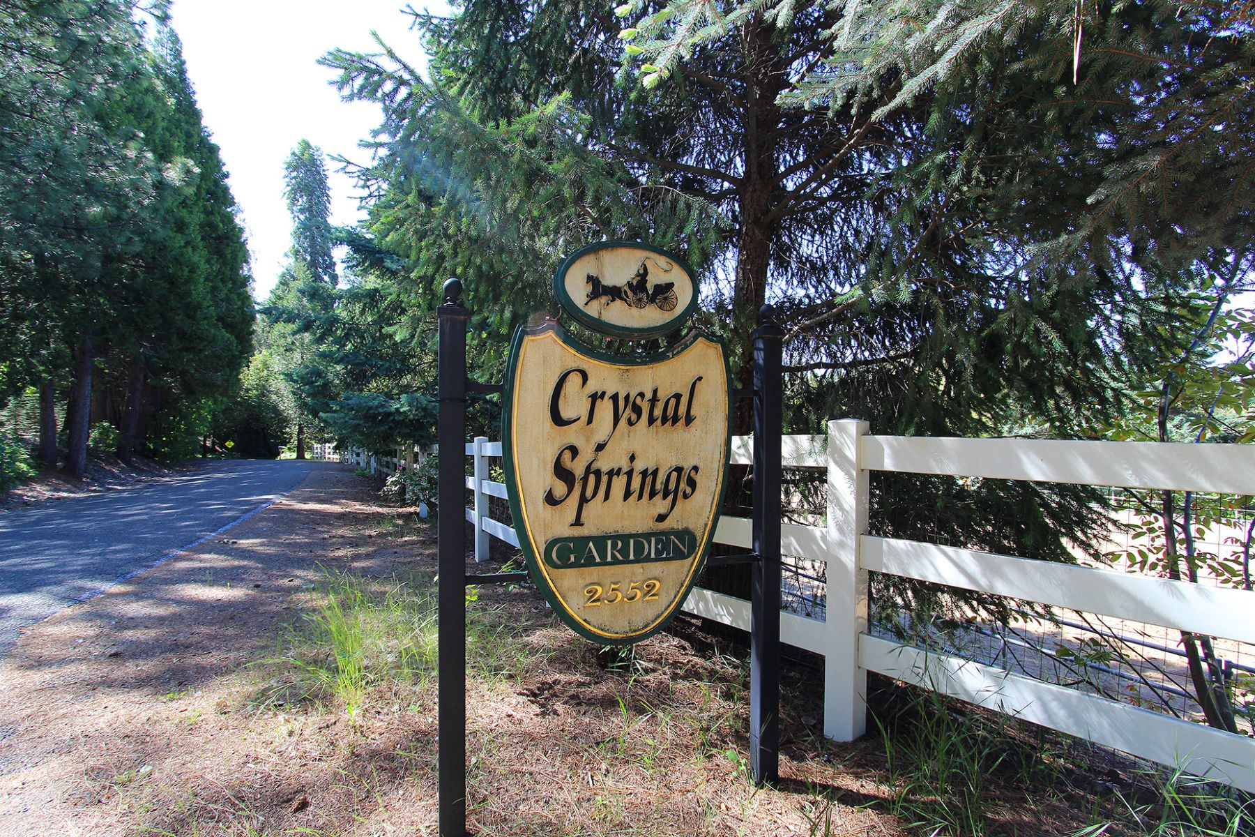 Additional photo for property listing at 2552 Crystal Springs Road  Camino, California 95709 United States
