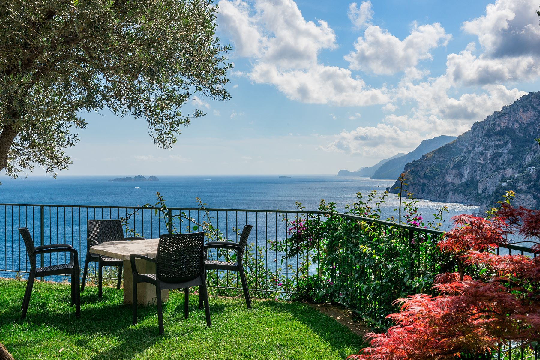 Additional photo for property listing at Exclusive panoramic villa in Positano Positano, Salerno Italy