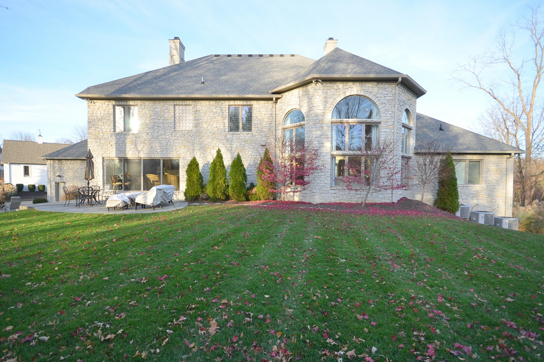 Additional photo for property listing at Incredible Home on 1.42 Acres 410 Breakwater Drive Fishers, Indiana 46037 Estados Unidos