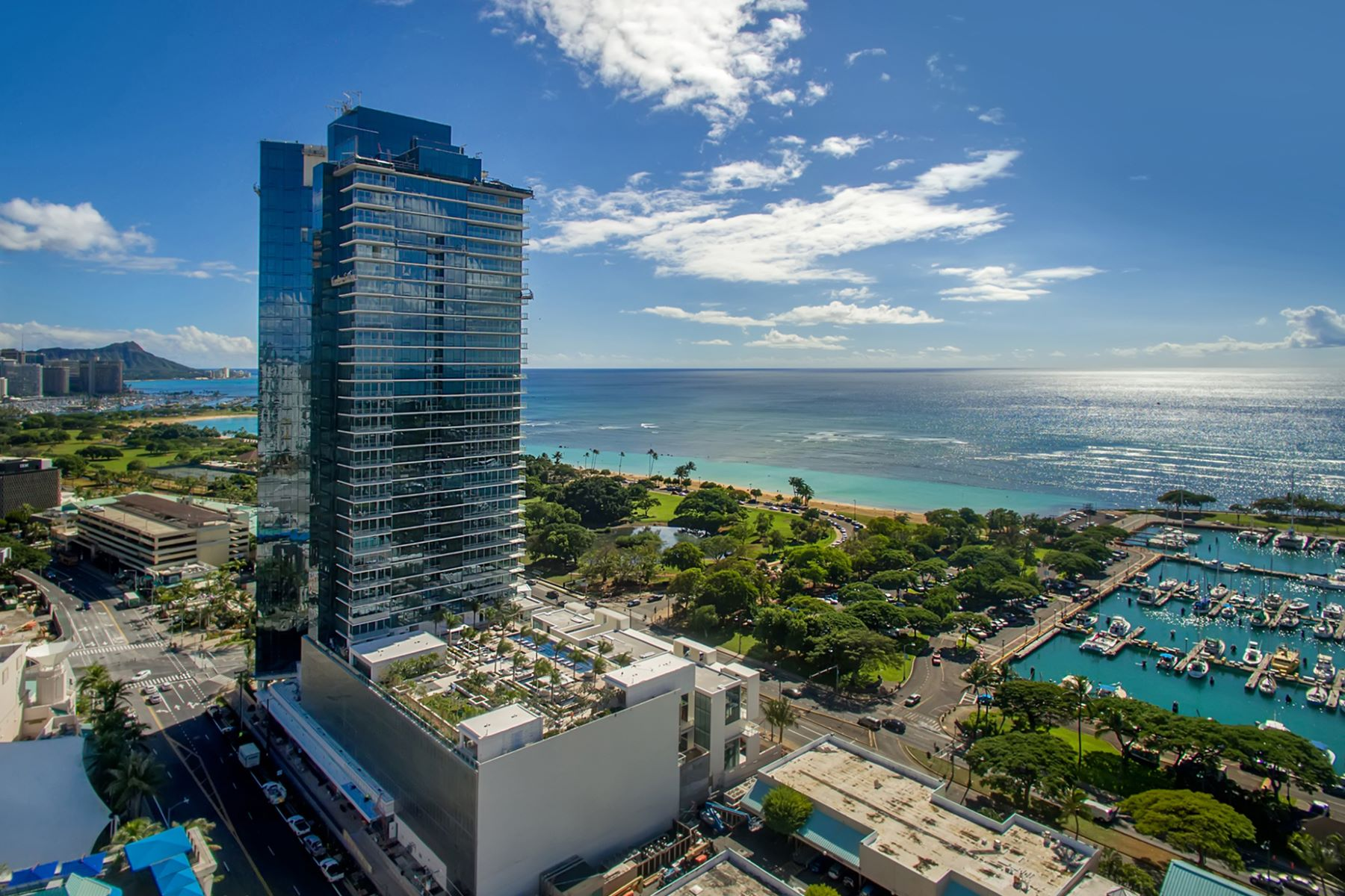 Additional photo for property listing at Majestic Waiea Grand Penthouse 1118 Ala Moana Boulevard #GPH 35 Honolulu, Hawaii 96814 United States