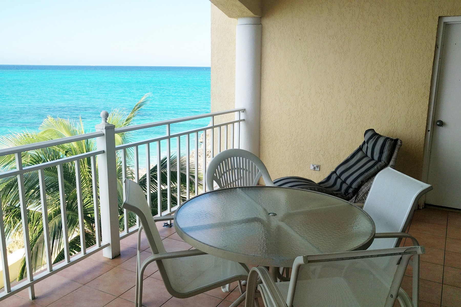 Additional photo for property listing at 8C Caves Point Caves Point, West Bay Street, Nassau And Paradise Island Bahamas
