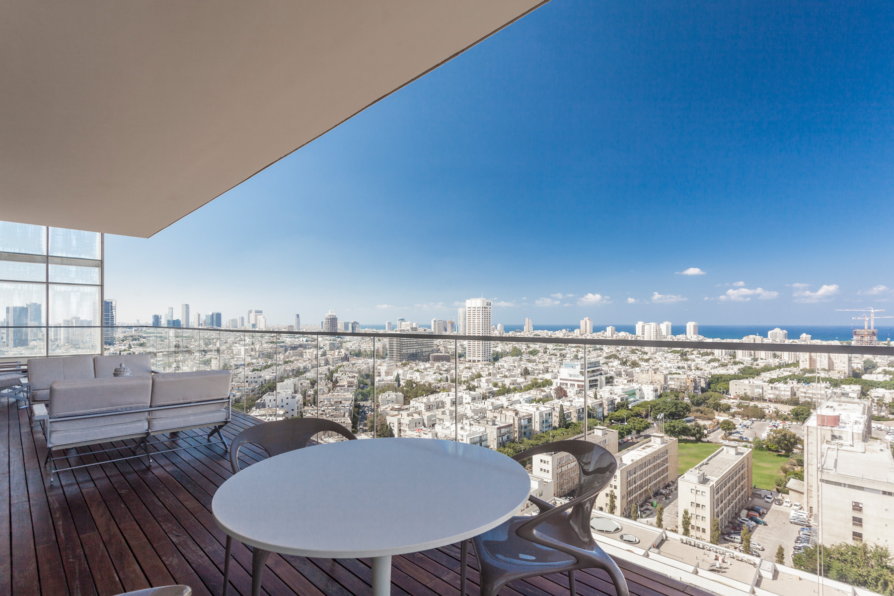 Additional photo for property listing at Modern Luxury Apartment With Incomparable Views 特拉维夫, 以色列 以色列
