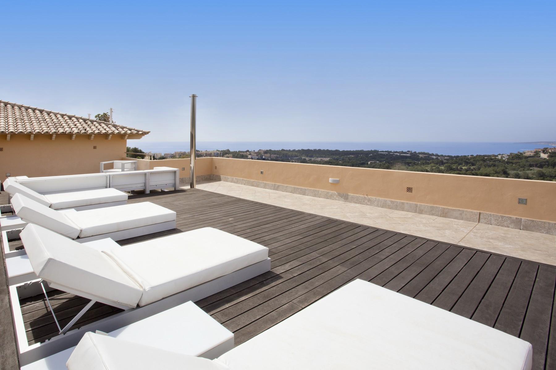 Casa Unifamiliar por un Venta en Exclusive Penthouse in Bendinat Bendinat, Mallorca, 07001 España