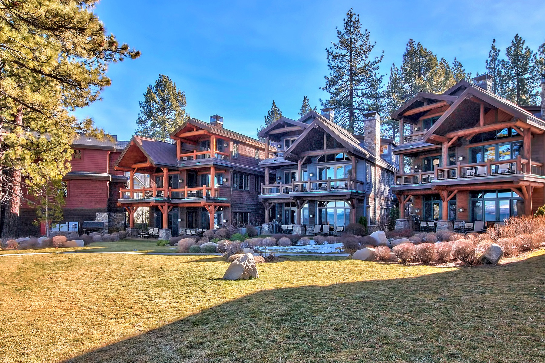 共管物業 為 出售 在 3371 Lake Tahoe Boulevard, Residence 11 3371 Lake Tahoe Boulevard Residence 11 South Lake Tahoe, 加利福尼亞州, 96150 Lake Tahoe, 美國