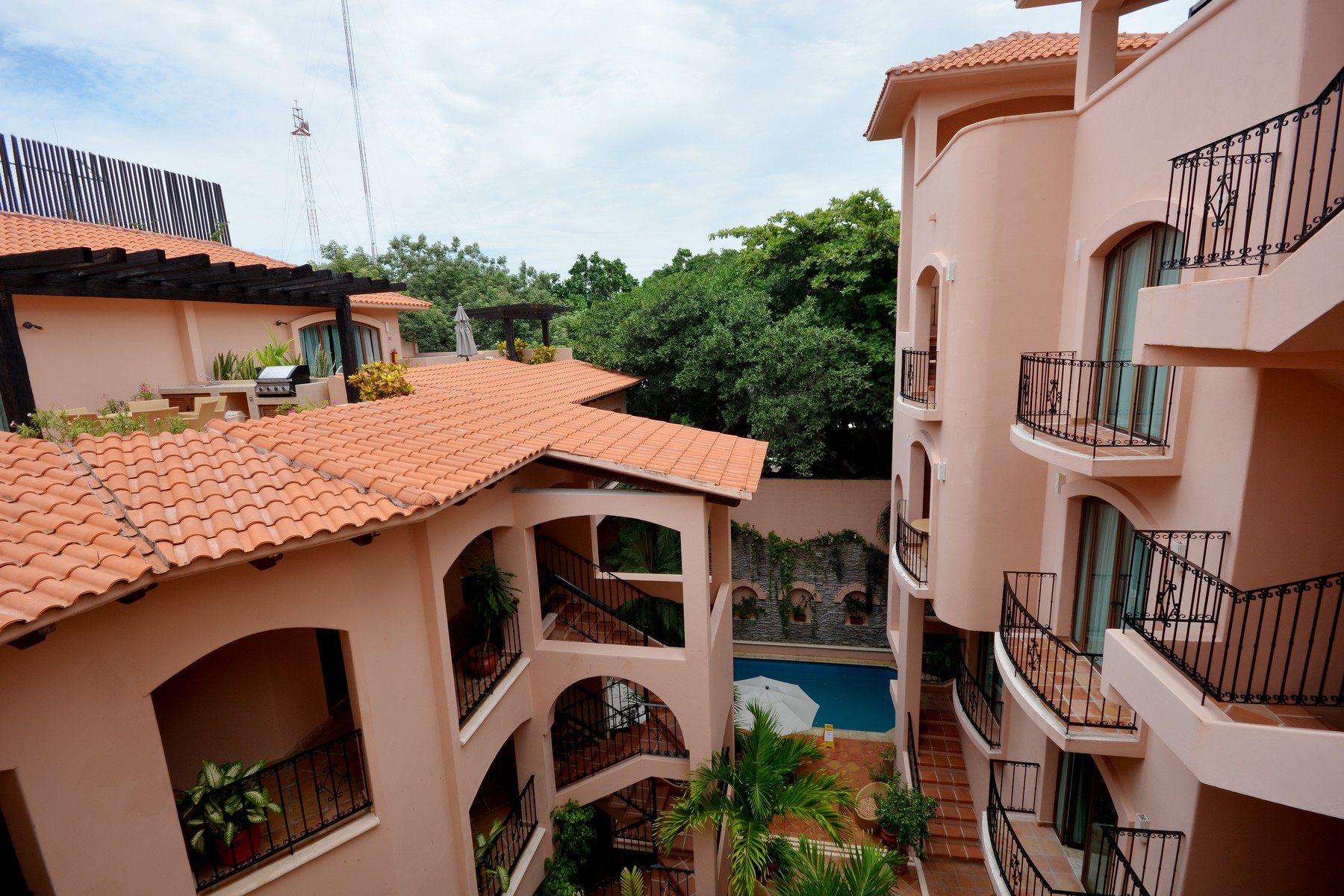 Additional photo for property listing at DELUXE PENTHOUSE IN THE BEST LOCATION Deluxe penthouse in the best location Calle 16 Norte Bis entre 5a Ave y 1a Ave Playa Del Carmen, Quintana Roo 77710 Mexico