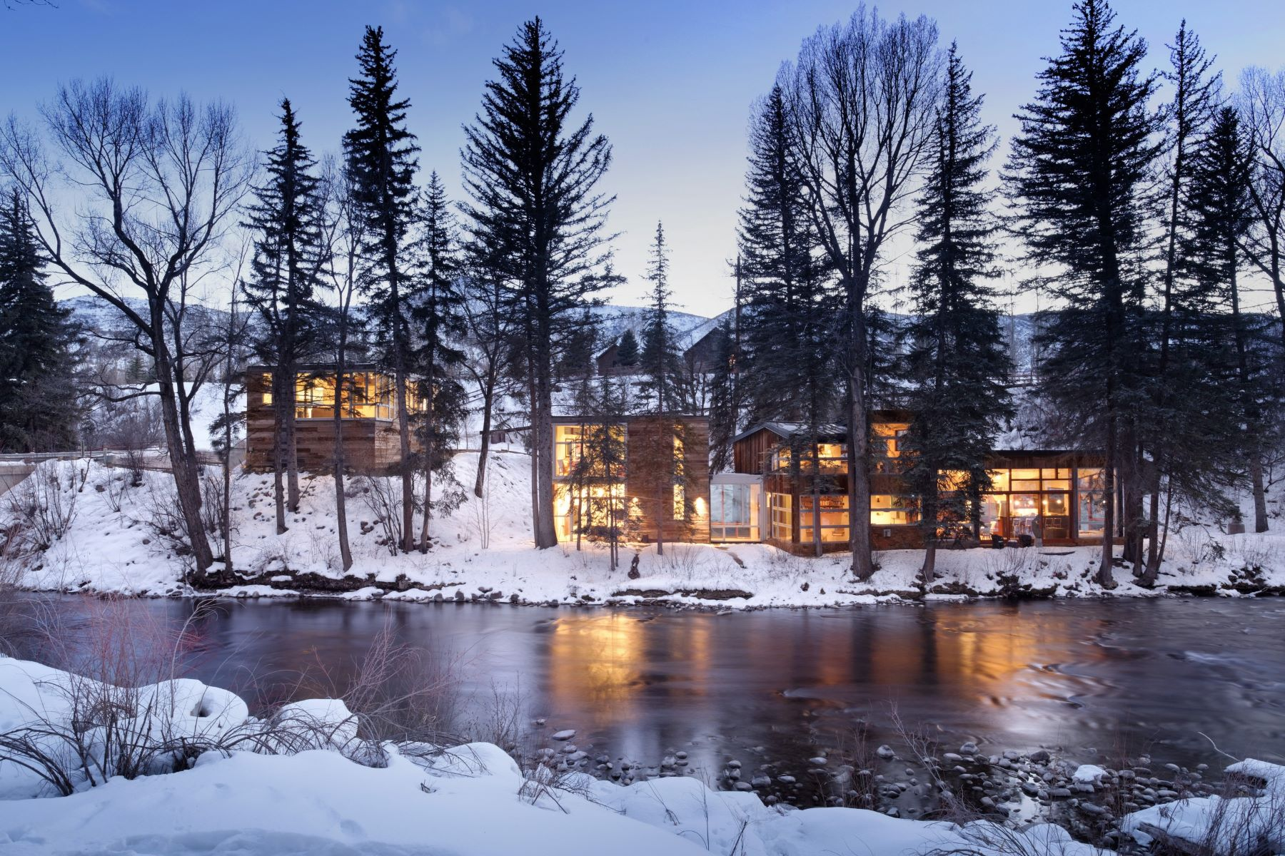 Maison unifamiliale pour l Vente à Stunning River Home 161/163 Gerbaz Way Snowmass, Colorado, 81654 États-Unis