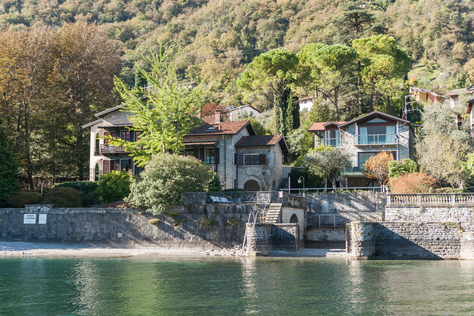 Single Family Home for Sale at Magnificent property pieds dans l'eau Via Cadorna Oliveto Lario, Lecco 23865 Italy