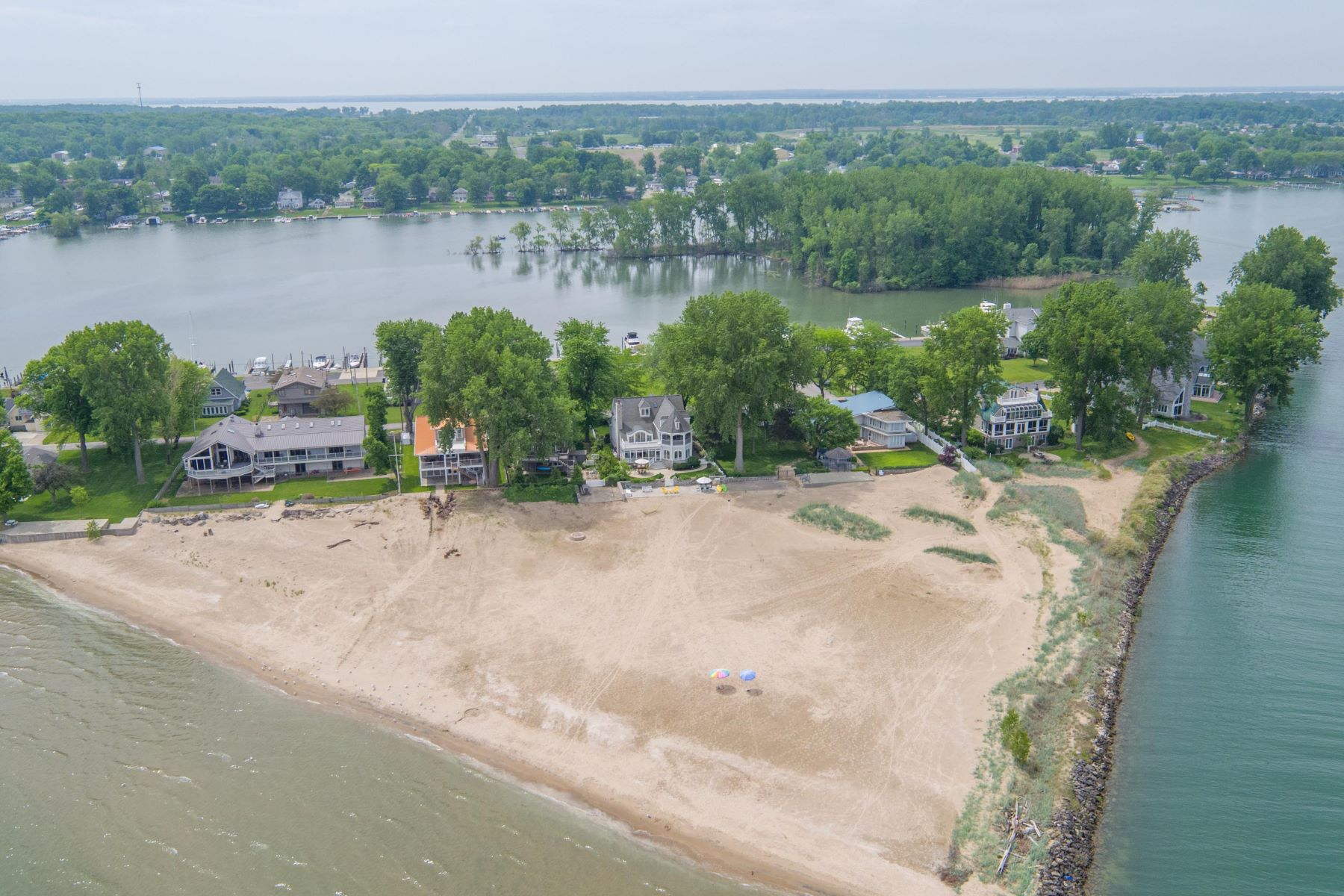 Additional photo for property listing at 8125 East Lake Boulevard  Marblehead, Ohio 43440 United States