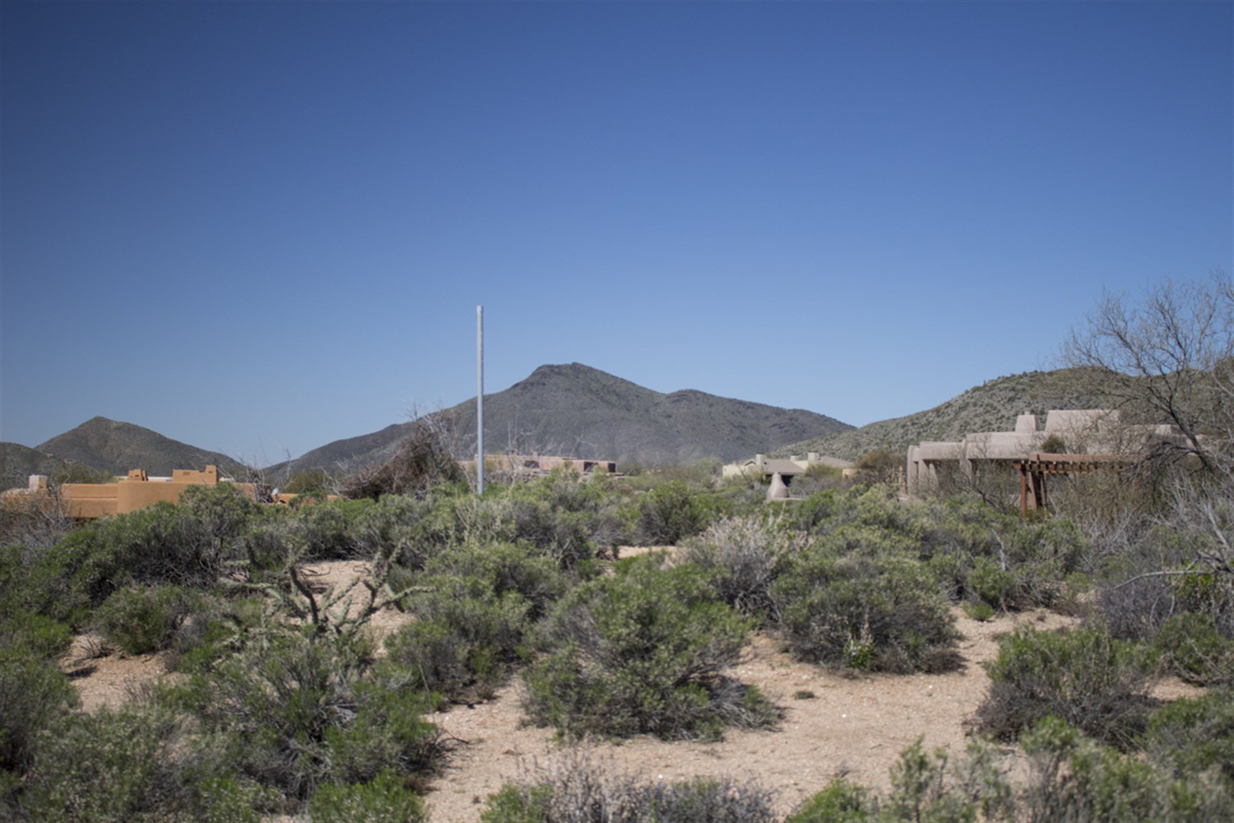 土地 為 出售 在 The perfect lot to build your custom residence: build-able and level. 41550 N 111TH PL 33 Scottsdale, 亞利桑那州, 85262 美國