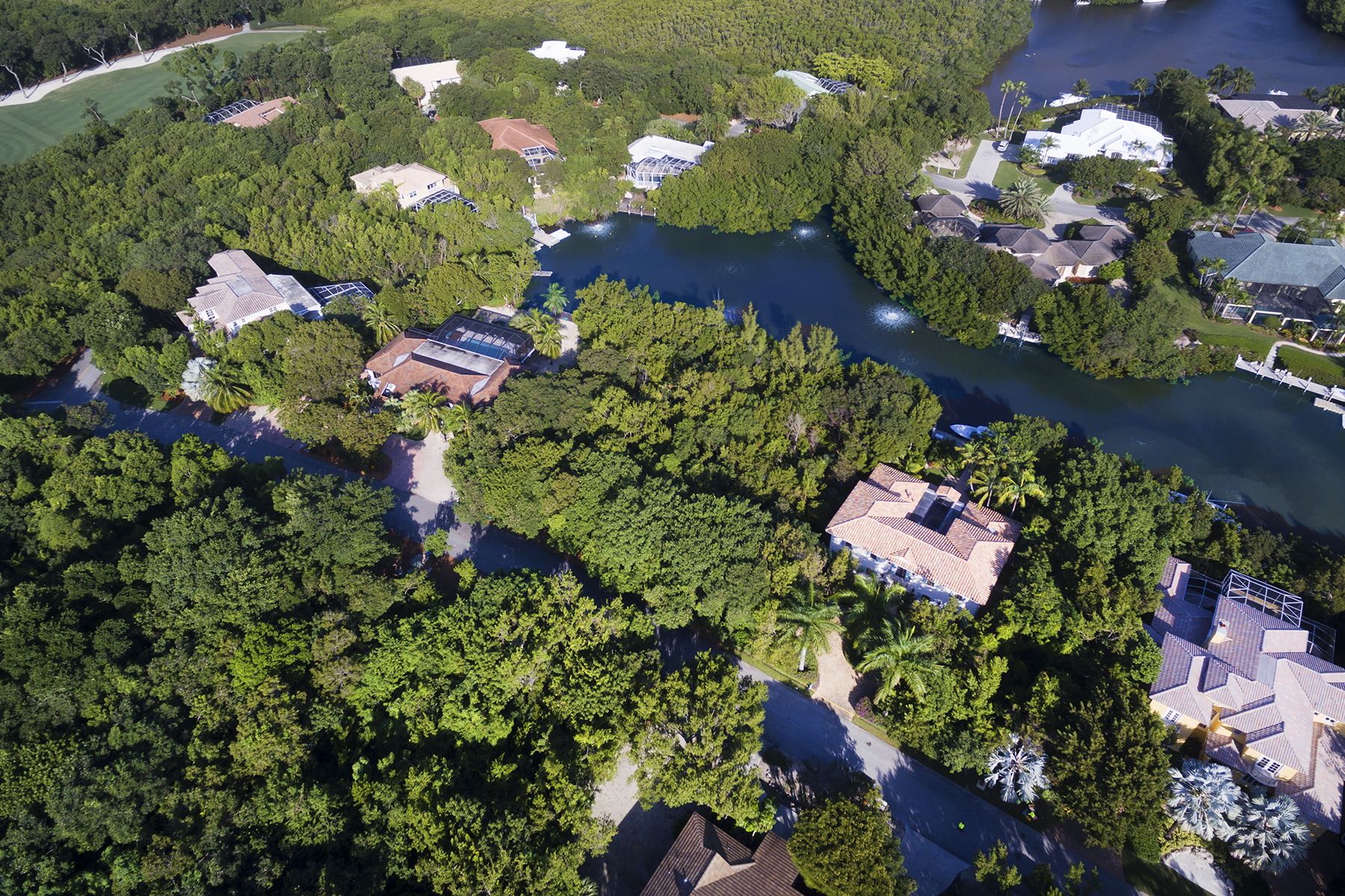 Additional photo for property listing at Canalfront Vacant Lot at Ocean Reef 13 South Bridge Lane Key Largo, Florida 33037 États-Unis