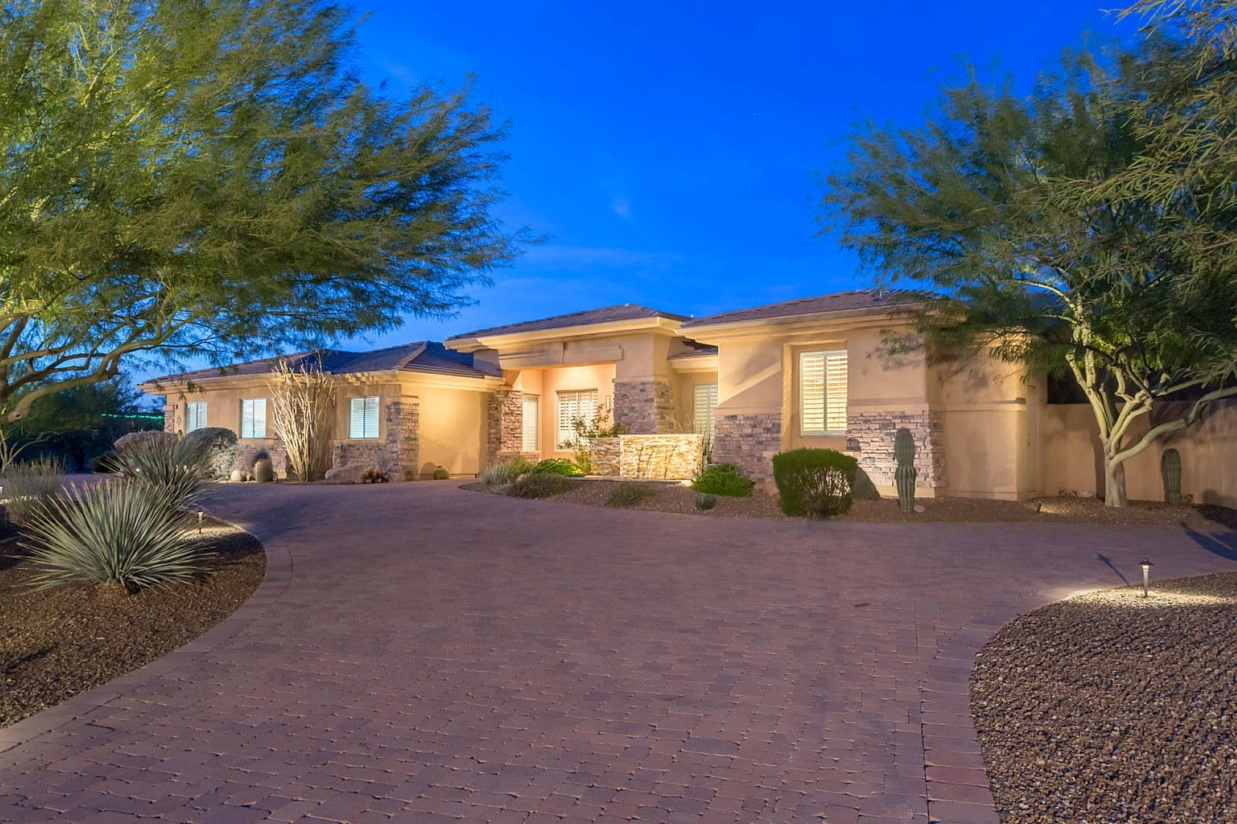Single Family Home for Sale at Pristine estate on over 1.5 acres with sweeping mountain views 9002 E Rimrock Dr Scottsdale, Arizona, 85255 United States