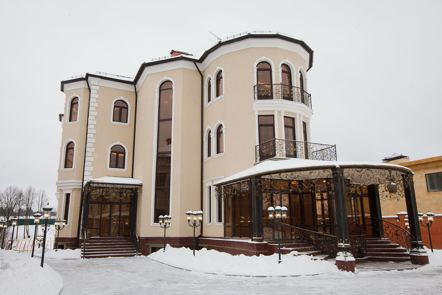 Single Family Home for Sale at Manor complex on Rublevka Moscow, Moscow City, Russia