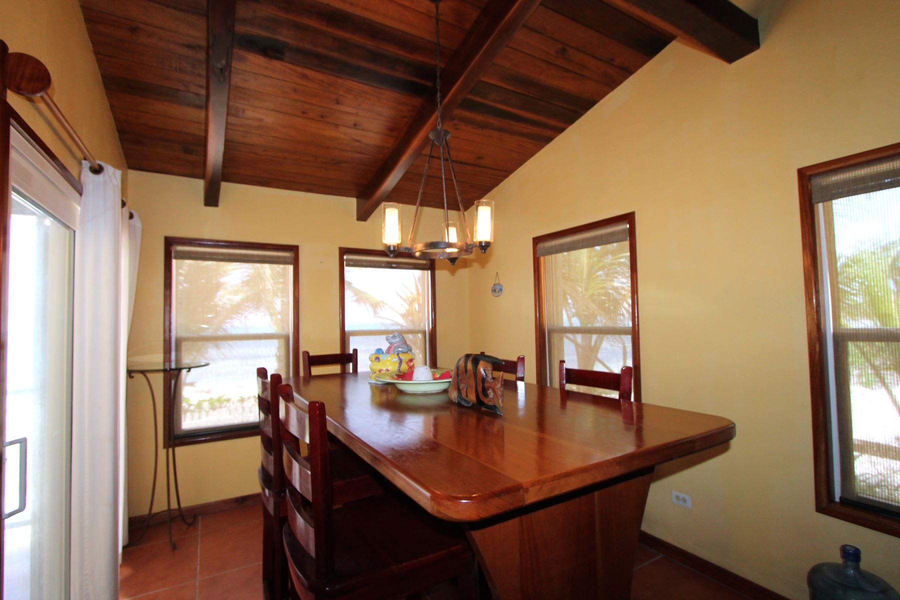 Additional photo for property listing at Casa Bonita 圣佩德罗城, 安伯格里斯岛 伯利兹
