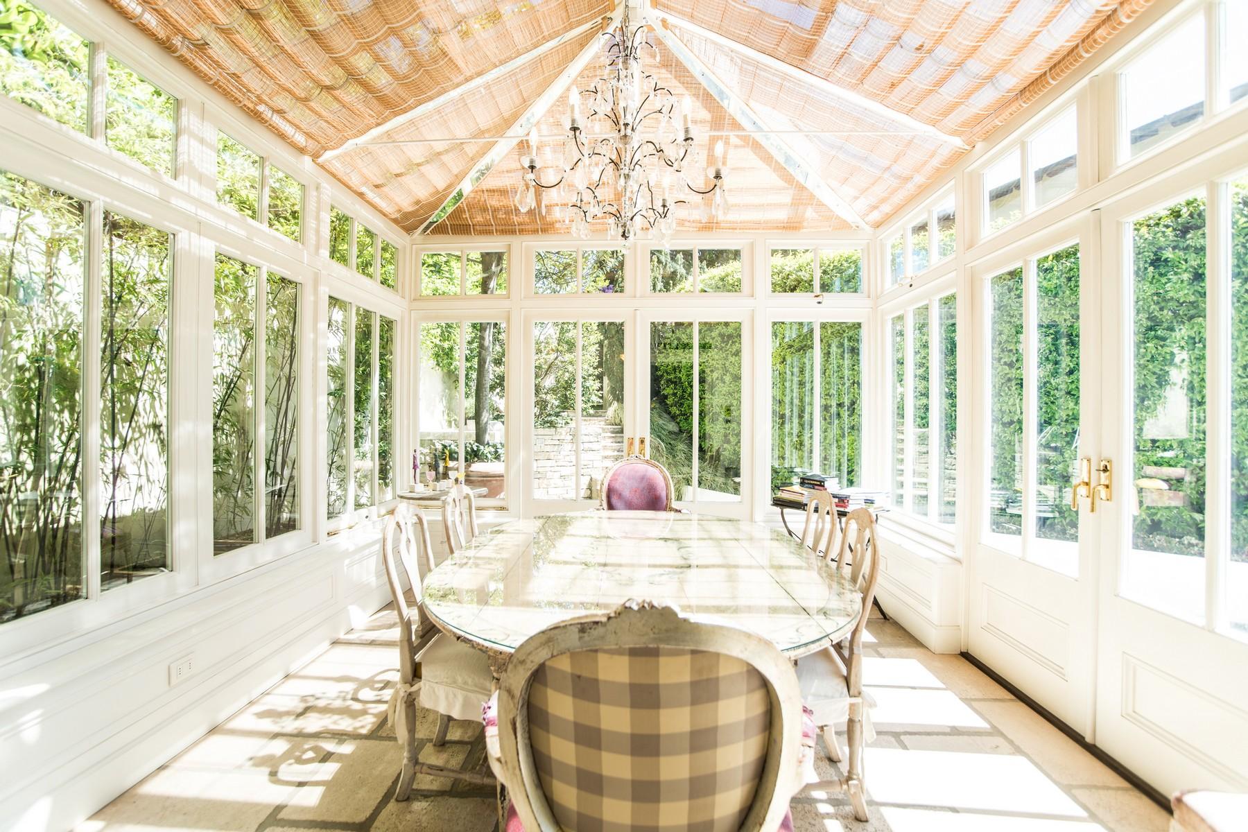 Additional photo for property listing at Gorgeous villa with dependance overlooking Lake Como Via Vittorio Veneto Cernobbio, Como 22012 Italia