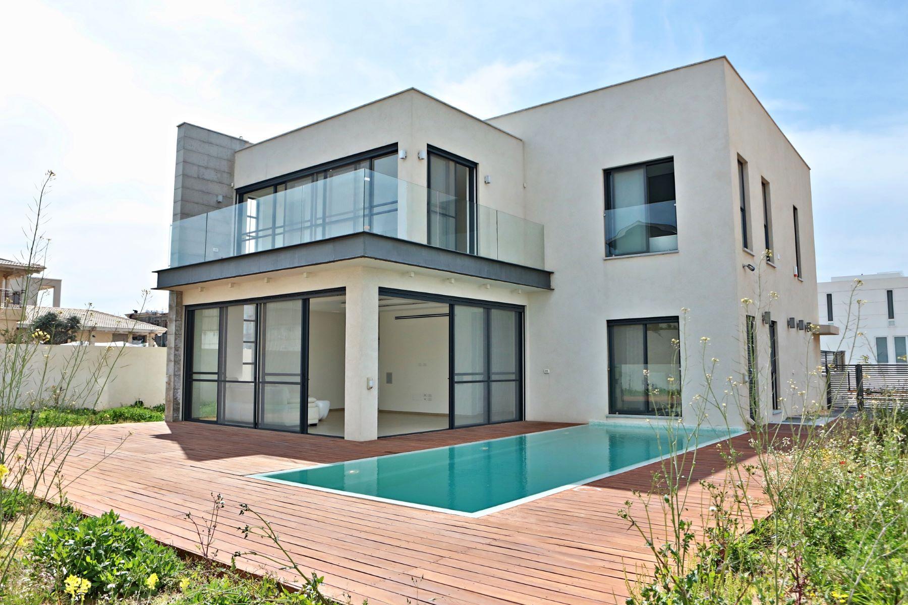 独户住宅 为 销售 在 Exquisite Classic Style Villa in Caesarea 凯撒利亚, 以色列 308890 以色列