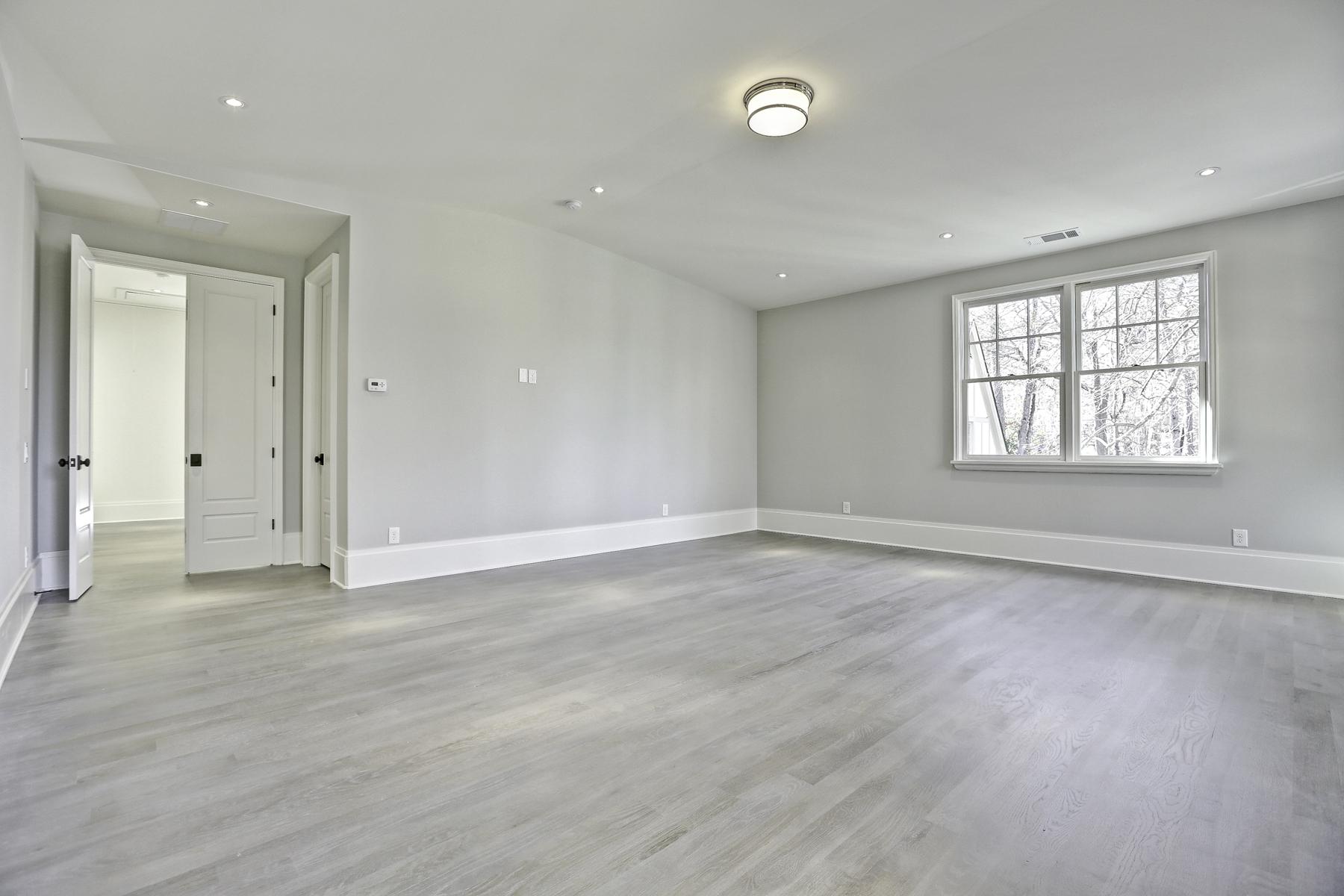 Additional photo for property listing at New Construction by JackBilt Homes. 870 Wildwood Road NE Atlanta, 喬治亞州 30324 美國