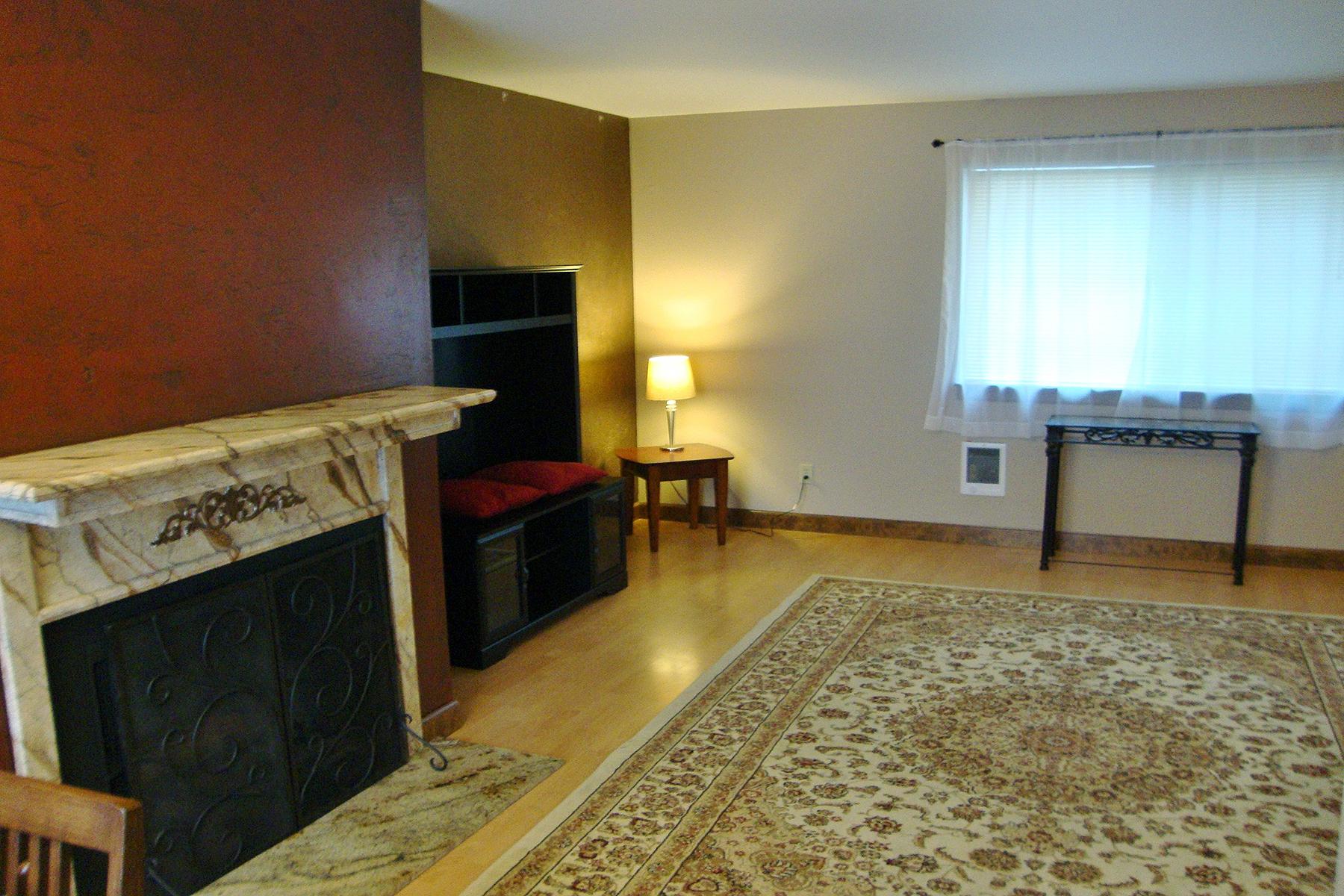 共管式独立产权公寓 为 销售 在 Ridgewood Condominiums 8203 N Ridgewood Drive #4 海登, 爱达荷州, 83835 美国