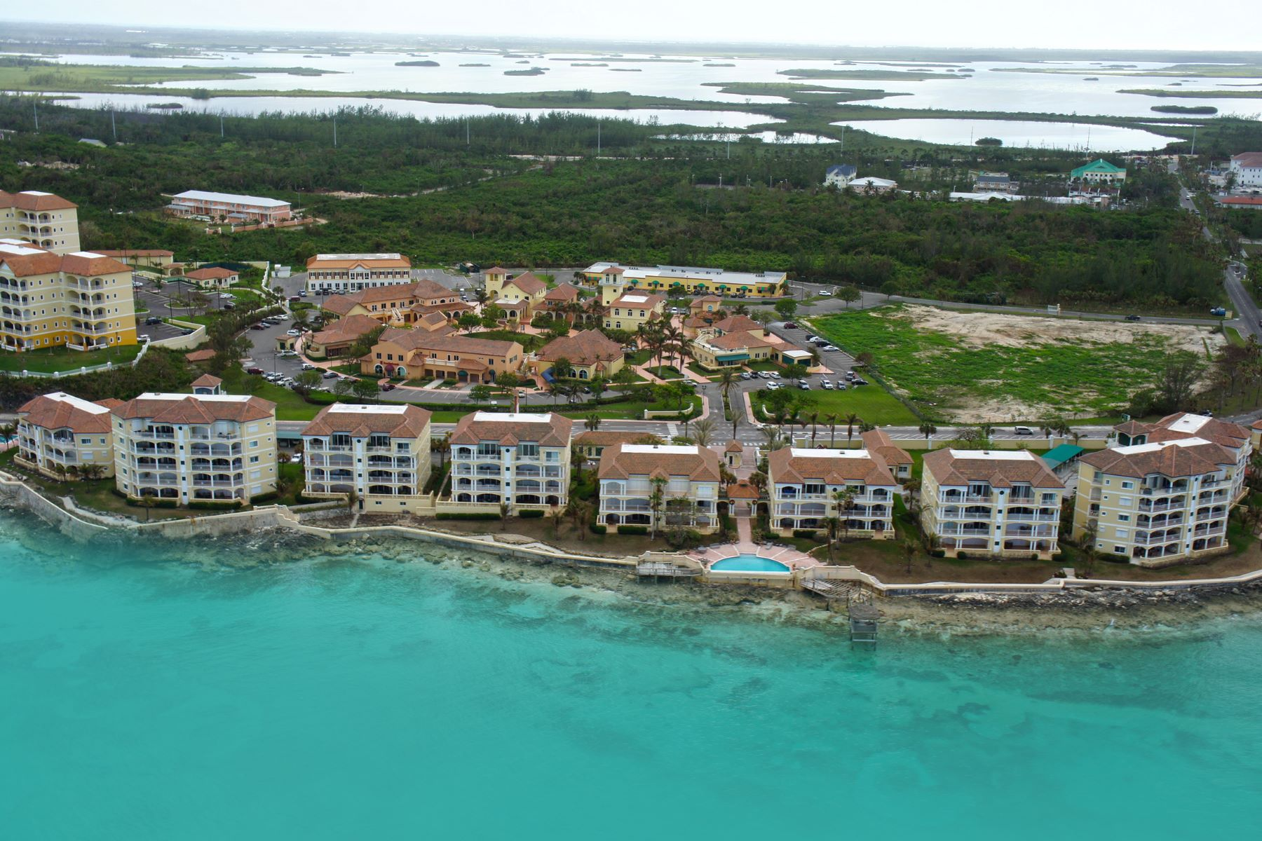 Additional photo for property listing at NEW PRICE ~ Caves Point 2nd Floor Caves Point, West Bay Street, Nassau And Paradise Island Bahamas