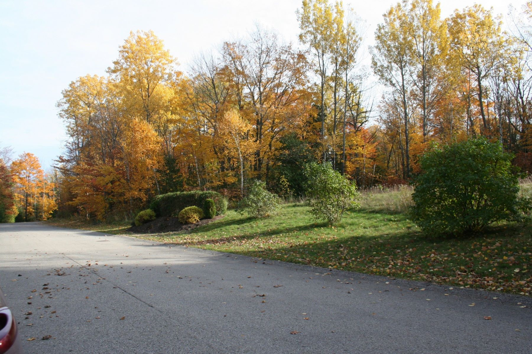 Additional photo for property listing at Coastal Cliffs 19 6053 Coastal Cliffs Bay Harbor, Michigan 49770 United States