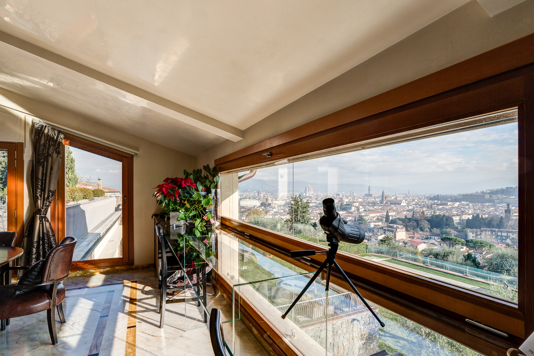 Additional photo for property listing at A truly unique villa with views over Florence Bellosguardo Firenze, Florence 50122 Italien
