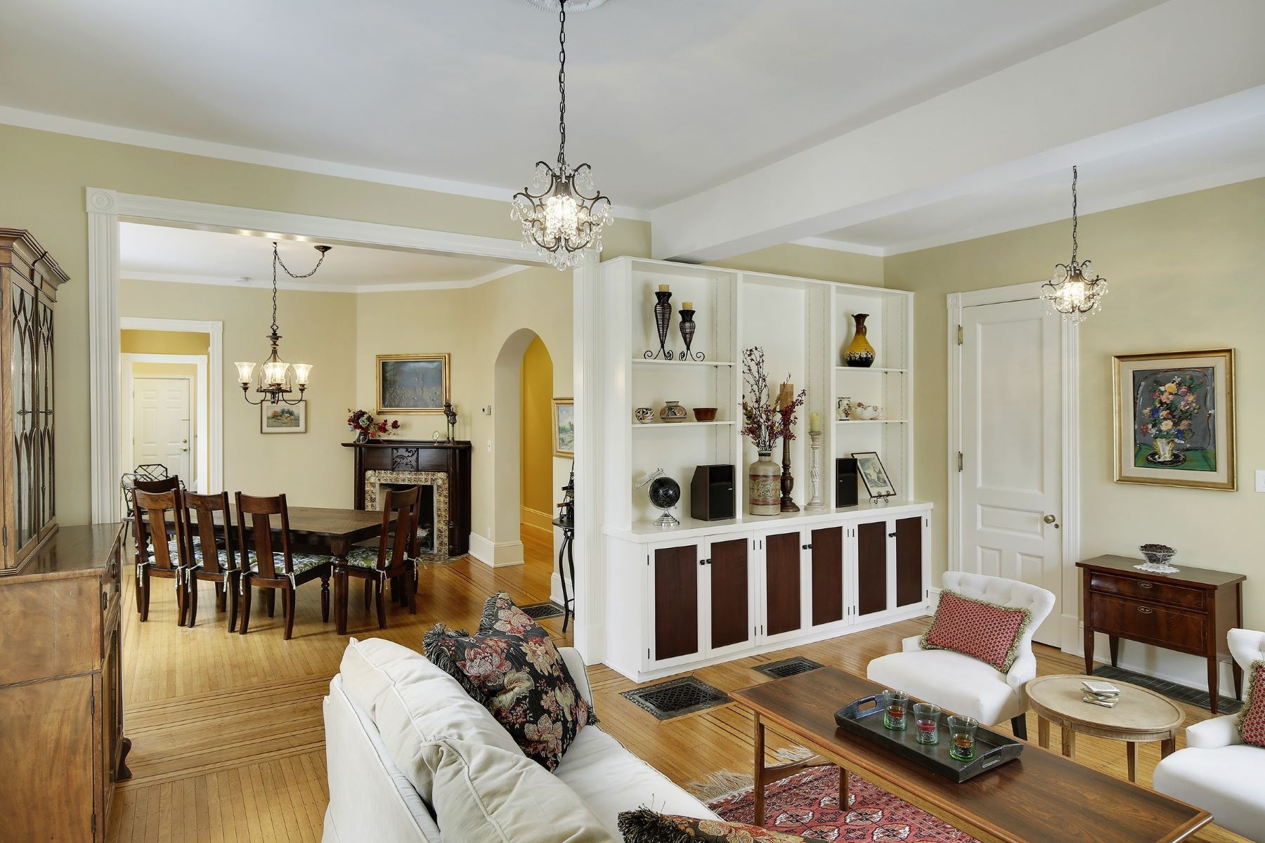 独户住宅 为 销售 在 2003 Sheridan Ave S Kenwood, 明尼阿波利斯市, 明尼苏达州, 55405 美国