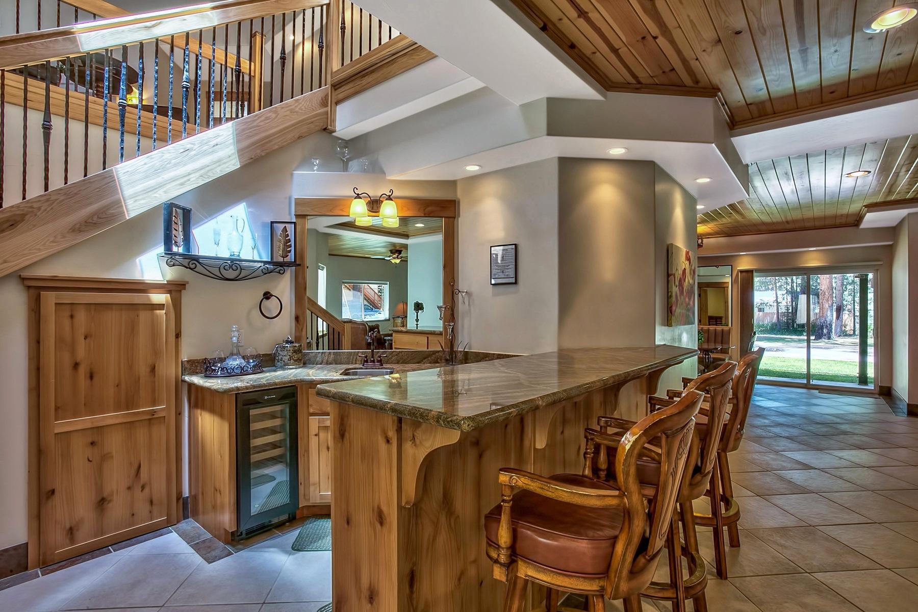 Additional photo for property listing at 745 Eloise Avenue  南太浩湖, 加利福尼亚州 96150 美国