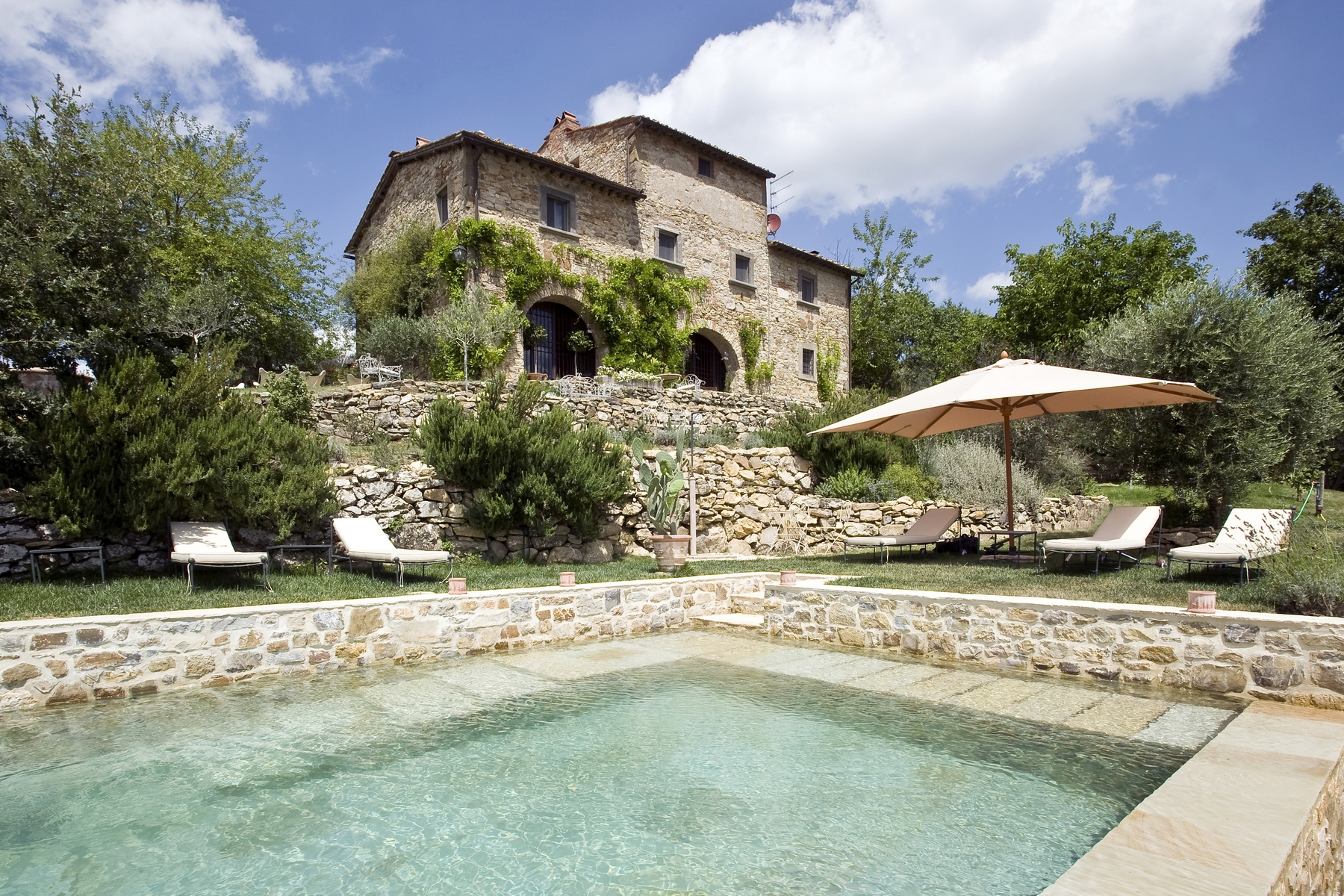 Additional photo for property listing at A charming Chianti farmhouse with breathtaking views and pool Radda In Chianti, Siena Italy