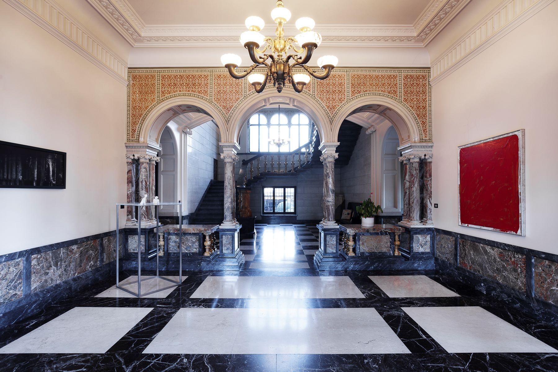 Additional photo for property listing at Beautiful Liberty Style Villa Via Galileo Galilei, 45 Biella, Biella 15900 Italia