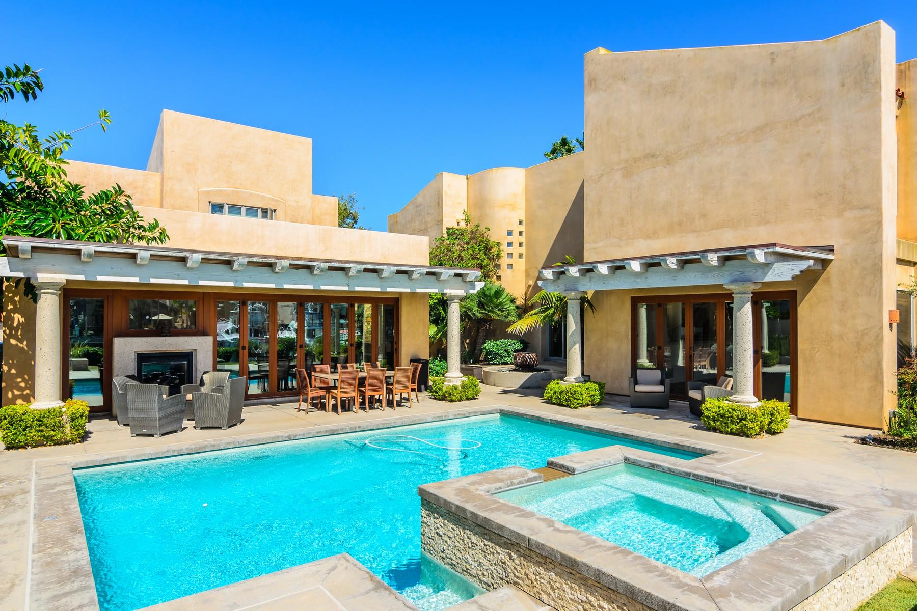 Villa per Vendita alle ore 6 Sixpence Coronado, California 92118 Stati Uniti