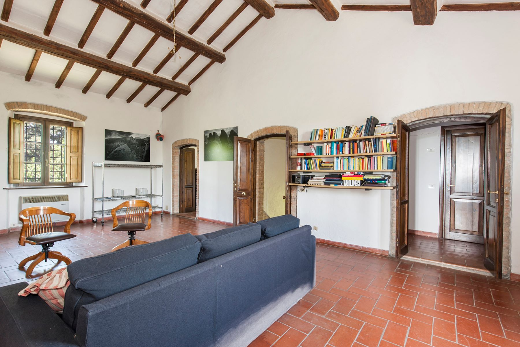 Additional photo for property listing at Panoramic farmhouse with a large agricultural estate Roccalbegna, Grosseto Italy