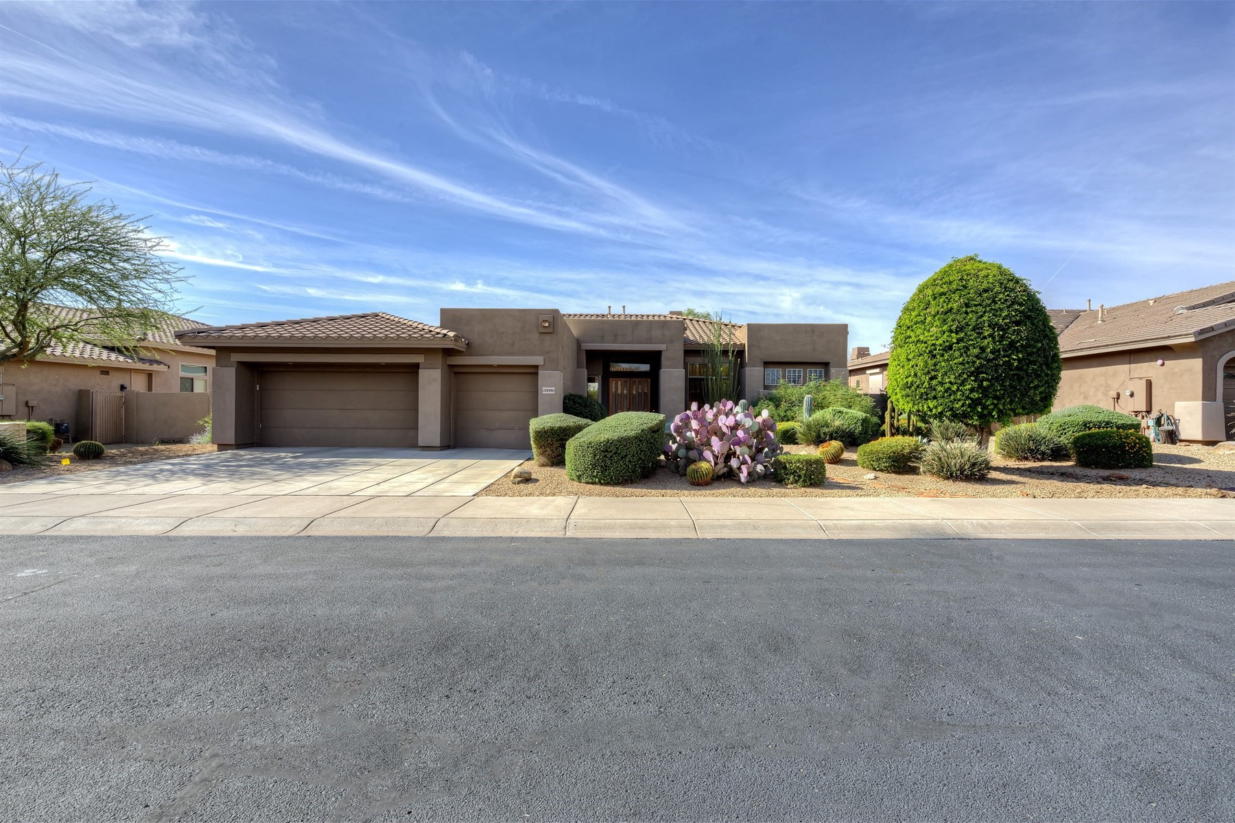 Single Family Home for Sale at Fabulous Scottsdale home in Grayhawk 20086 N 84th Way Scottsdale, Arizona, 85255 United States