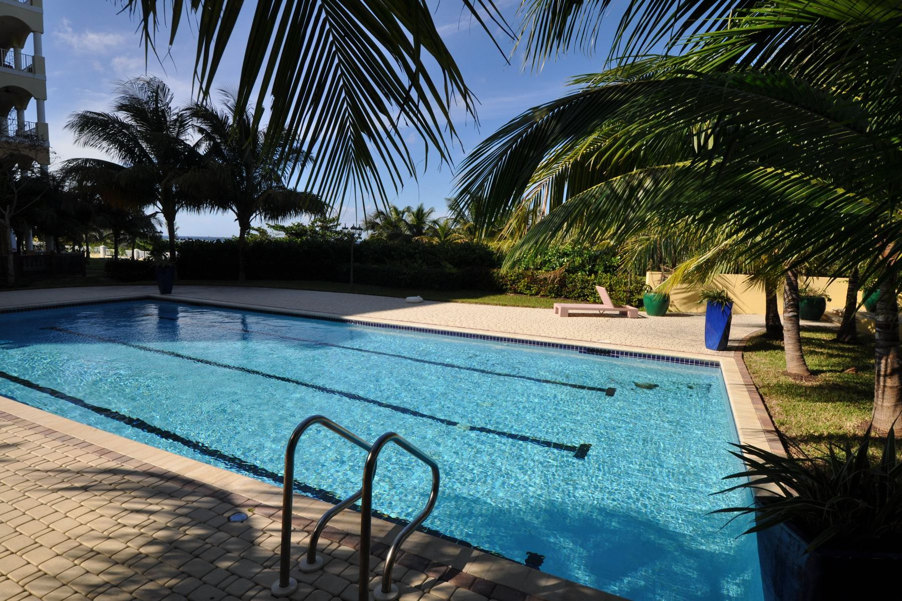 Additional photo for property listing at Caves Heights Caves Heights, West Bay Street, Nueva Providencia / Nassau Bahamas