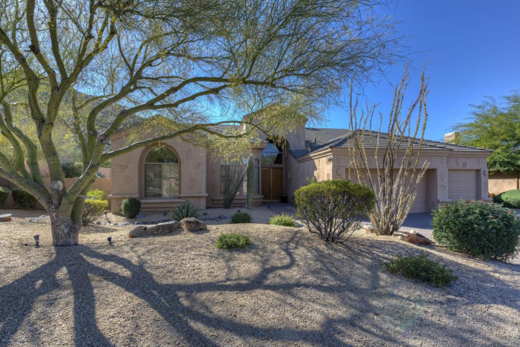 Single Family Home for Rent at Designer home has been updated with a soft contemporary look 11773 E Mariposa Grande Dr, Scottsdale, Arizona, 85255 United States