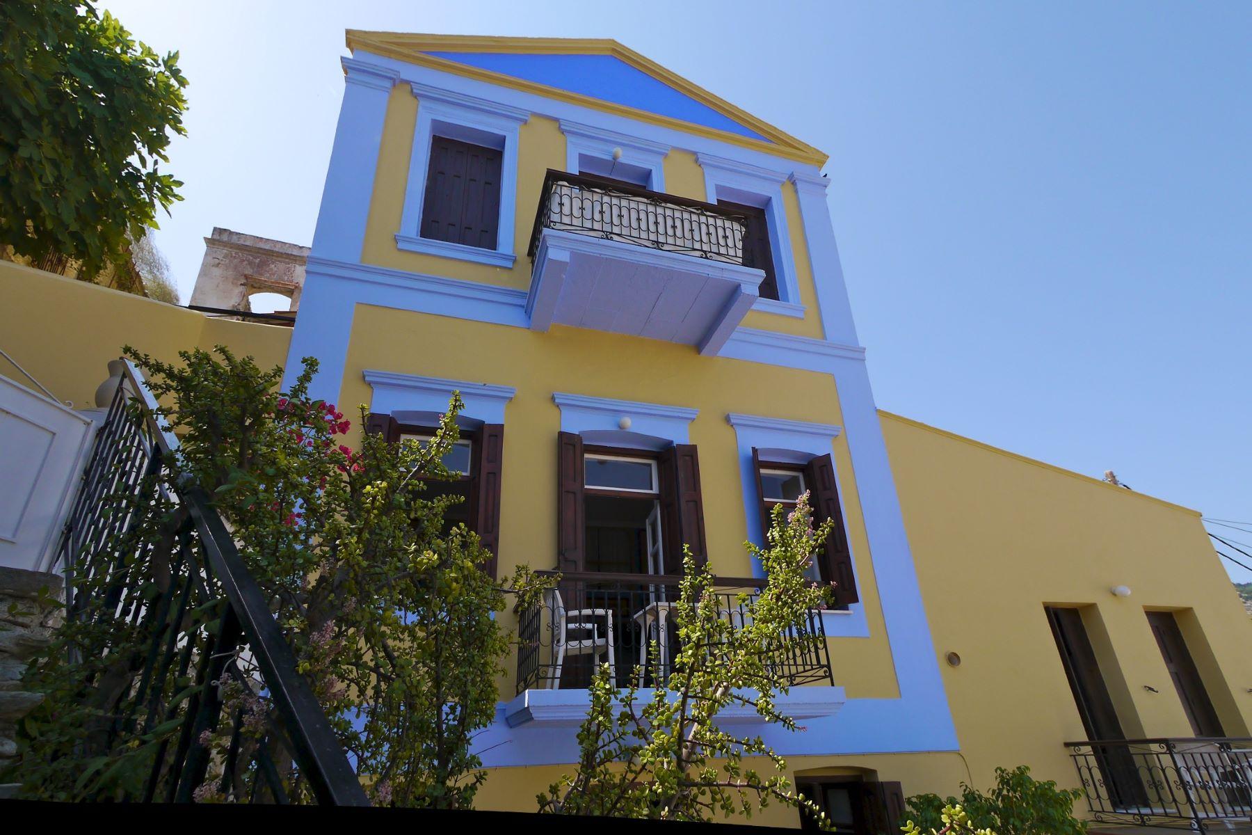 独户住宅 为 销售 在 Neoclassical Elegance Symi, Dodecanese, 希腊