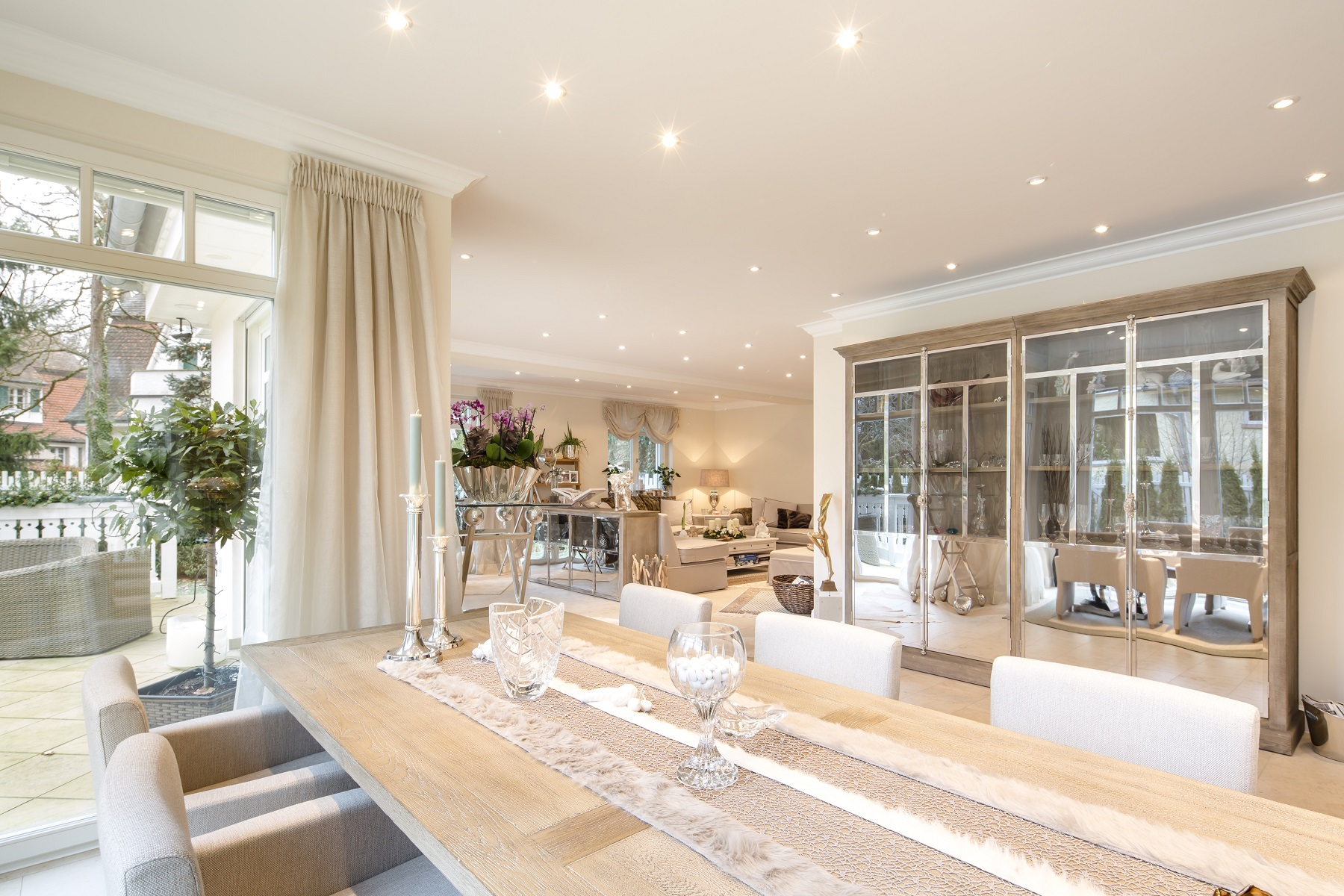 Casa Unifamiliar por un Venta en Pure Poetry in a Villa Colony Frankfurt, Hessen, 60325 Alemania