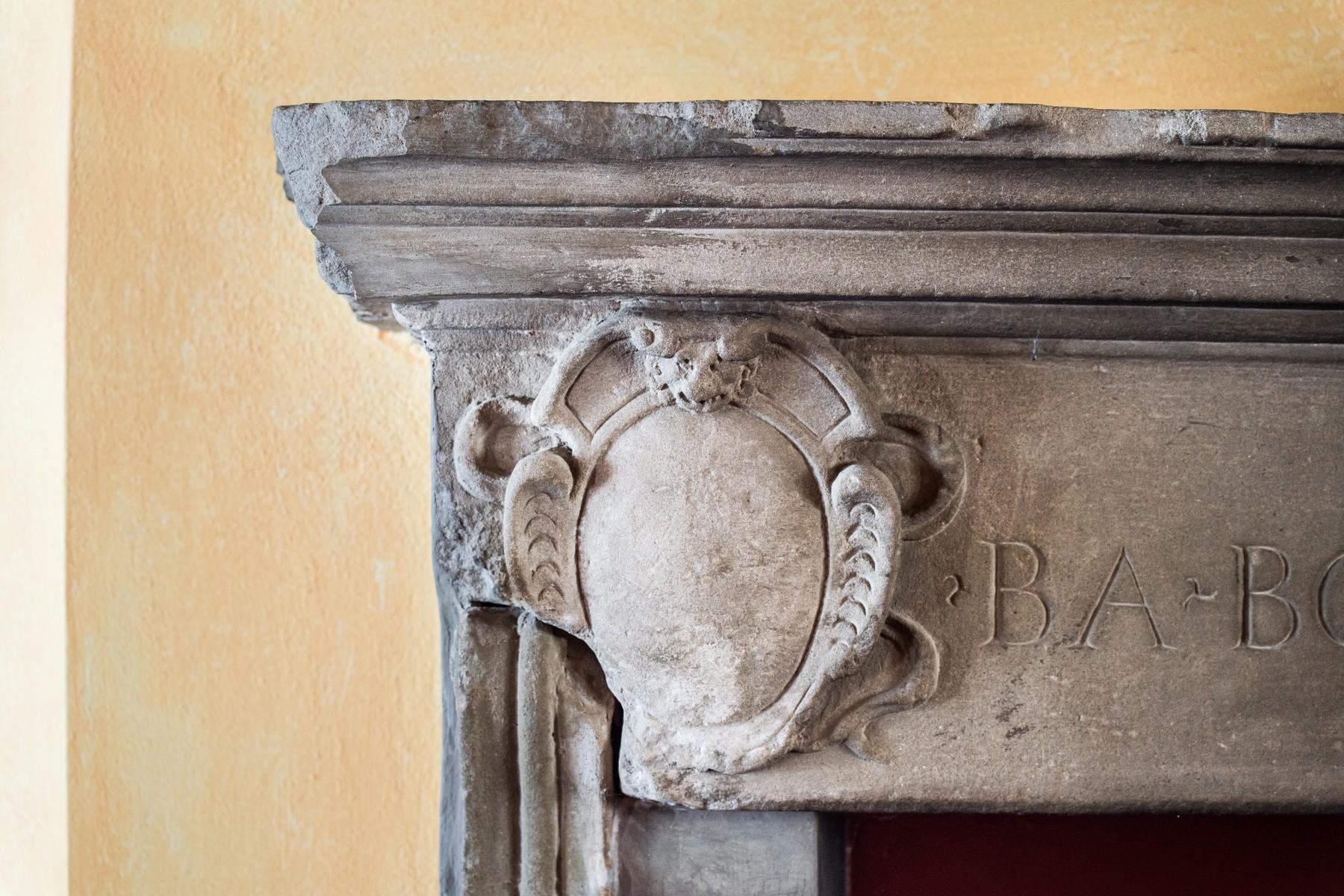 Additional photo for property listing at Magnificent semi-detached house on two levels Via Vittorio Veneto Fino Mornasco, Como 22073 Italy