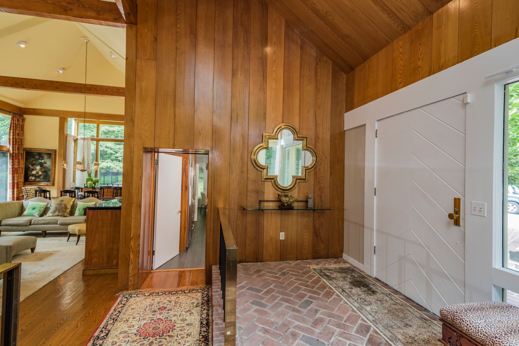 Additional photo for property listing at Impressive Space in Modern Princeton Home 1147 Stuart Road Princeton, New Jersey 08540 États-Unis