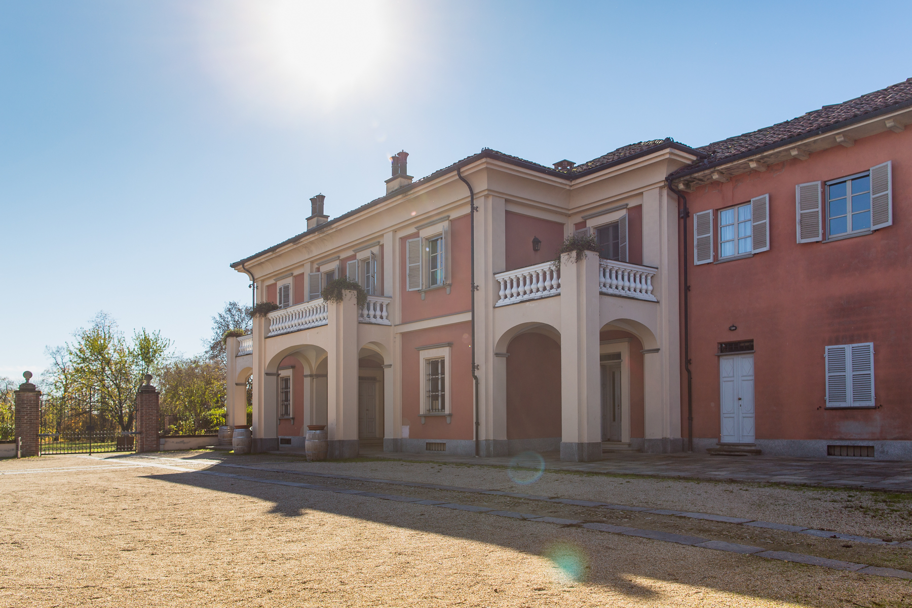 Additional photo for property listing at Beautiful agricultural farm Via Case Sparse Castello Di Annone, Asti 14034 Italien