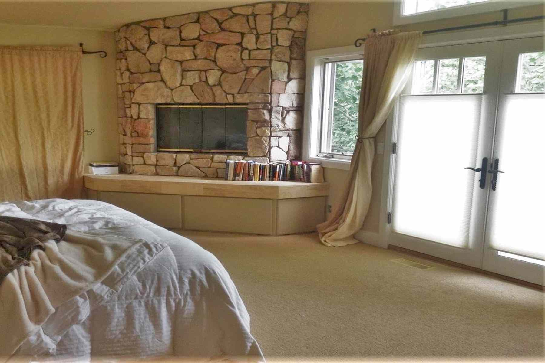Additional photo for property listing at Charm and Elegance 229 River Run Drive Ketchum, Idaho 83340 États-Unis