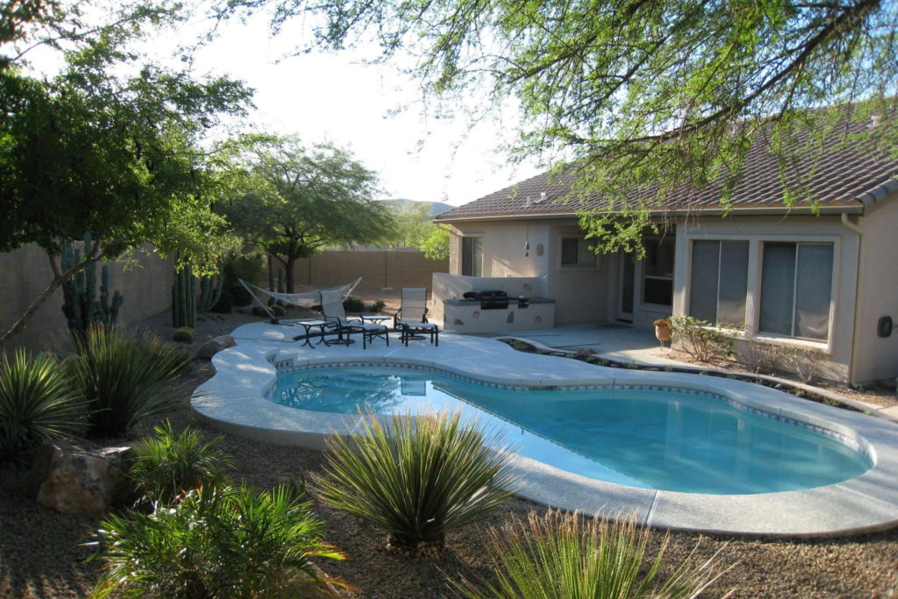 Additional photo for property listing at Beautifully furnished home in a gated community 15899 N 107th Pl Scottsdale, Аризона 85255 Соединенные Штаты