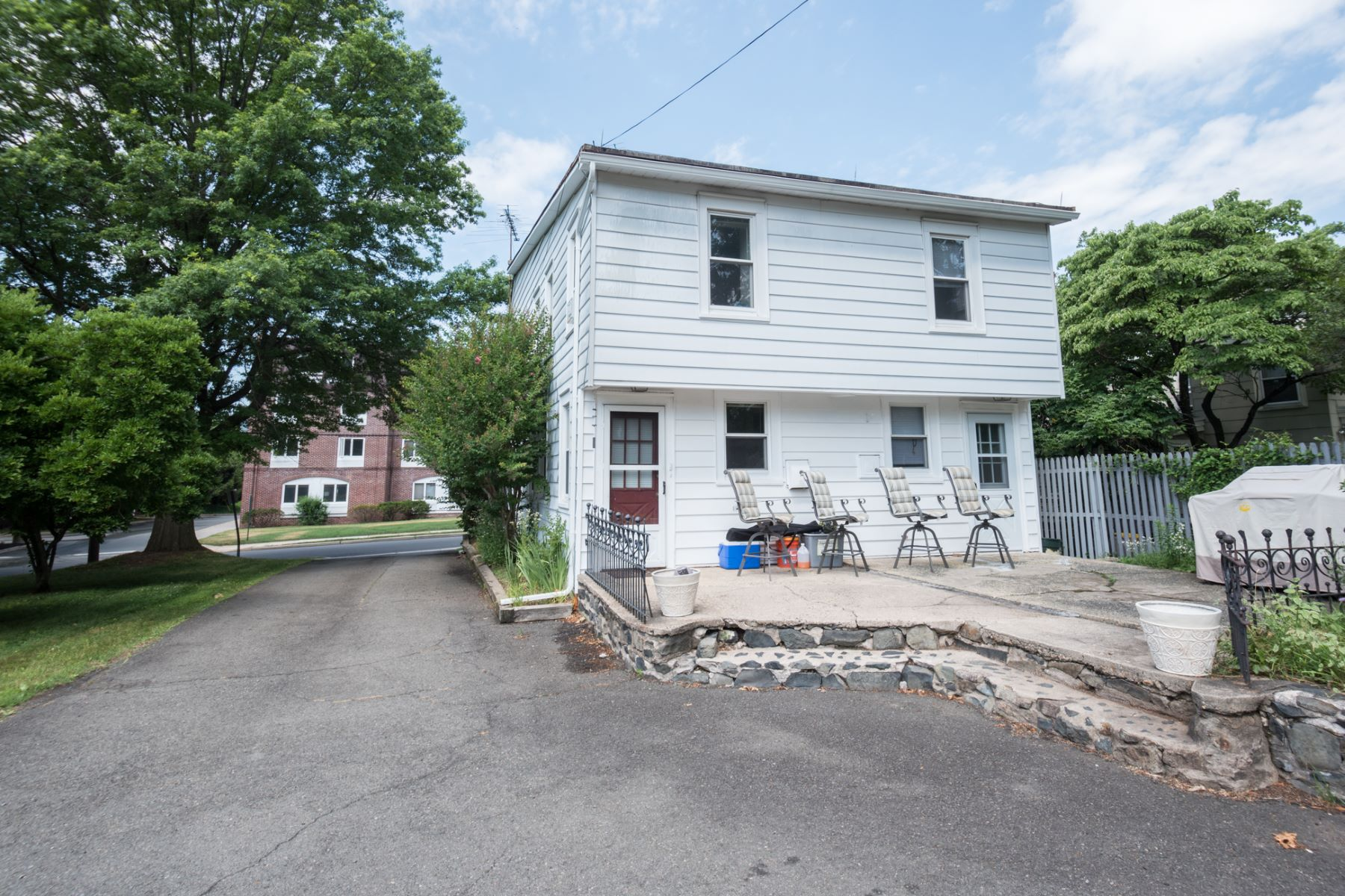 Additional photo for property listing at Home And Income 17-19 Burd Street Pennington, New Jersey 08534 United States