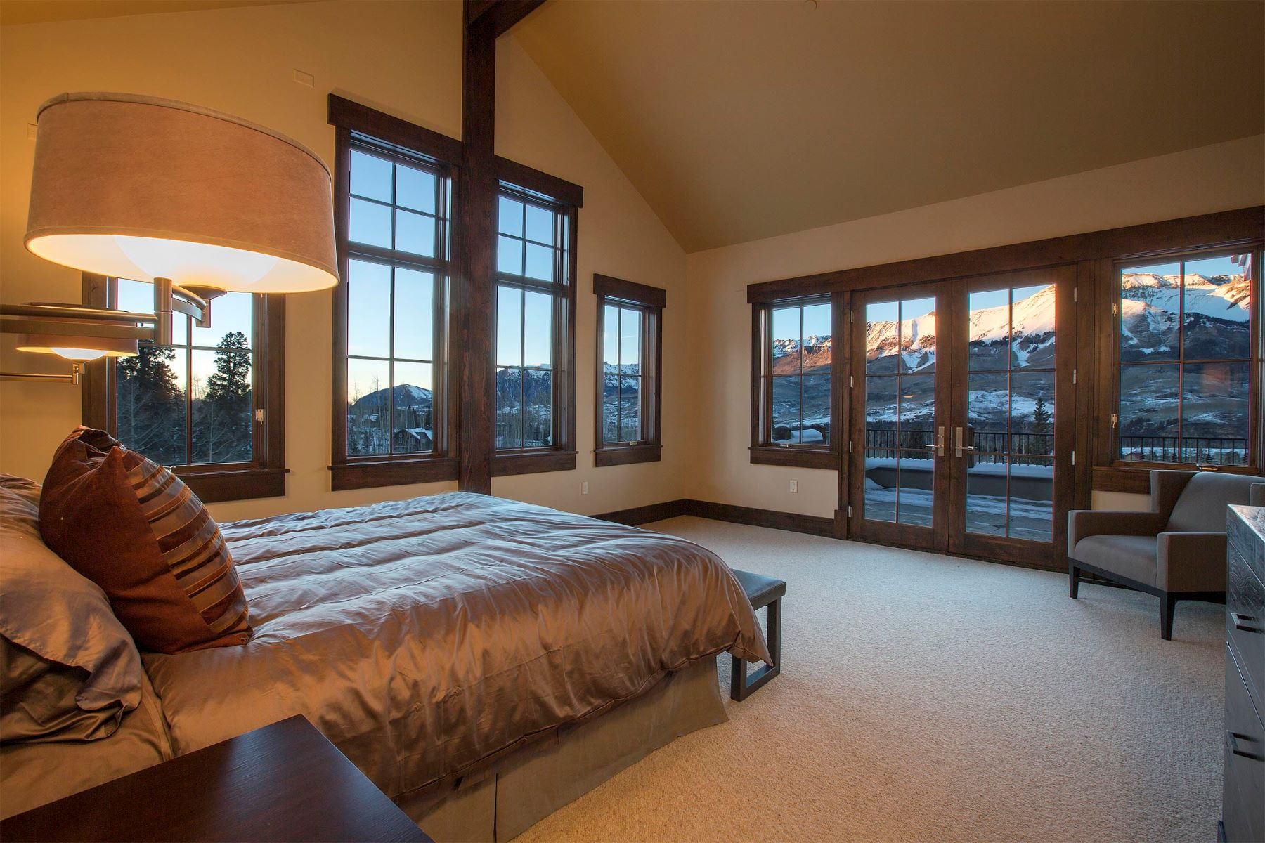 Condominio por un Venta en Elkstone 21, Unit 401 500 Mountain Village Blvd, Unit 401 Mountain Village, Telluride, Colorado, 81435 Estados Unidos